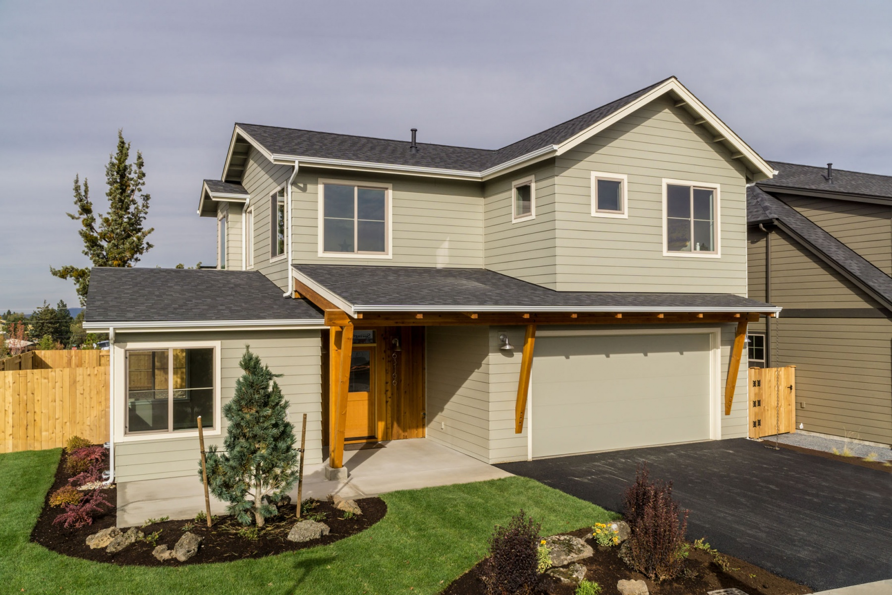 Single Family Home for Sale at North Mountain View Estates 63166 NE Iner Loop Bend, Oregon 97702 United States