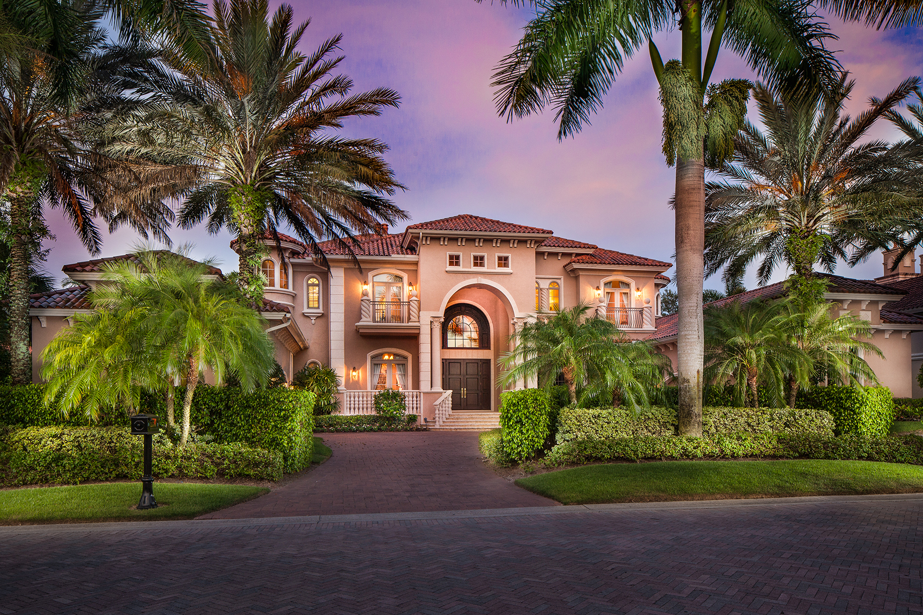 Casa Unifamiliar por un Venta en ESCADA AT TIBURON 2576 Escada Dr Naples, Florida, 34109 Estados Unidos