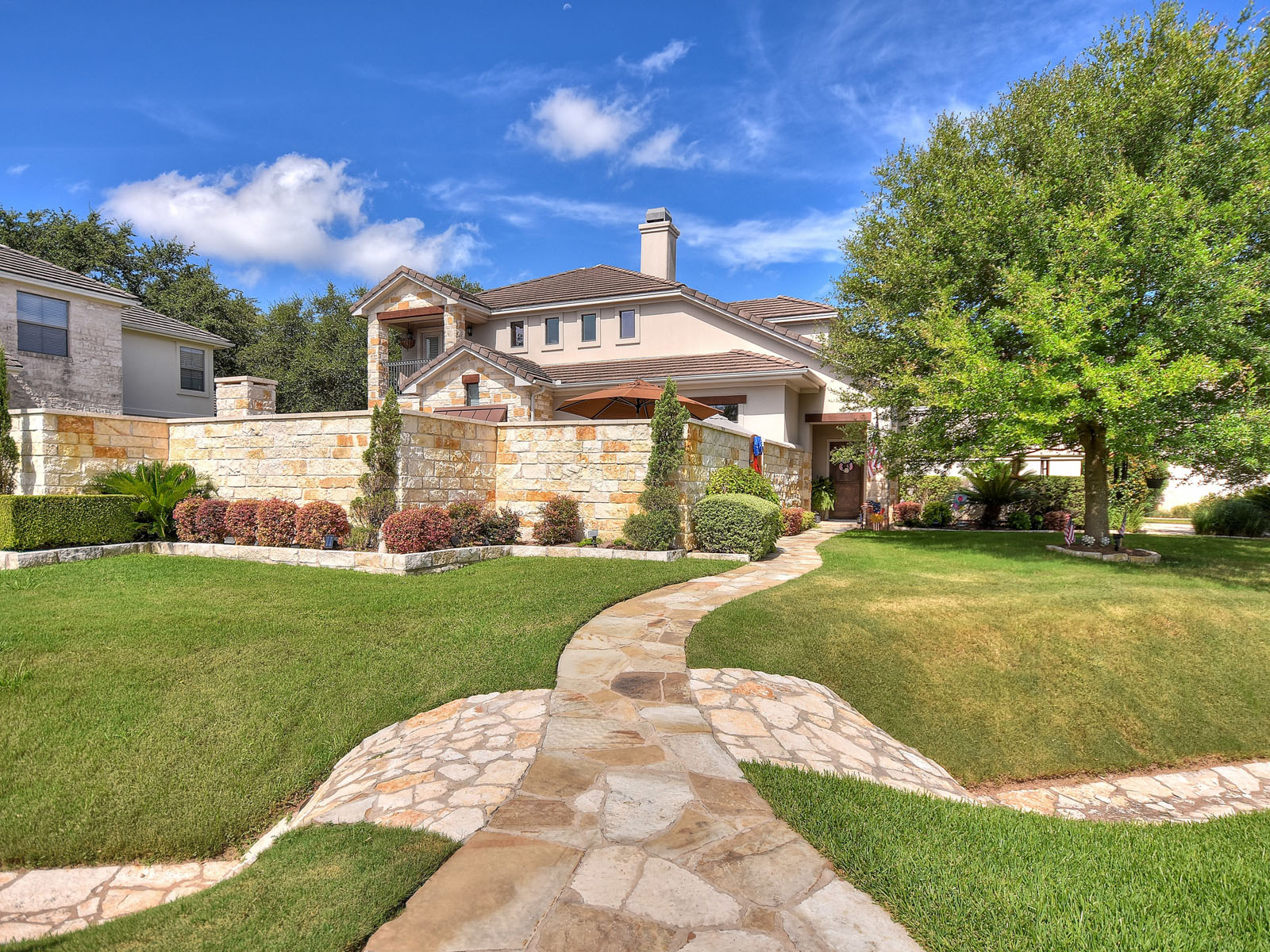 Single Family Home for Sale at Private Outdoor Oasis 6 Hightrail Way The Hills, Texas 78738 United States