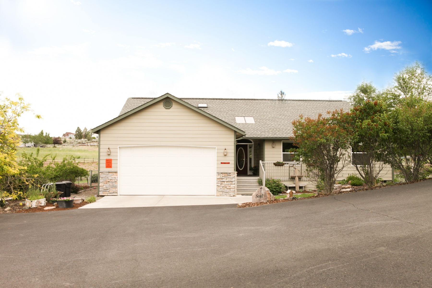 Single Family Home for Sale at 2 Acre Home Move-In Ready 2165 SE Sagebrush Dr Madras, Oregon, 97741 United States