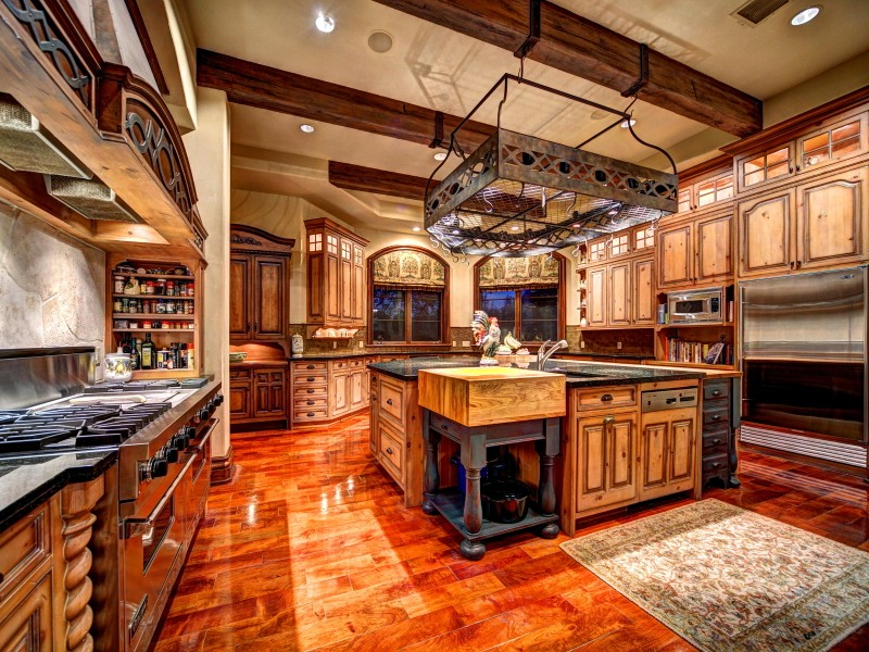 Additional photo for property listing at Waterfront Chateau at Costa Bella 213 Costa Bella Dr Austin, Texas 78734 United States