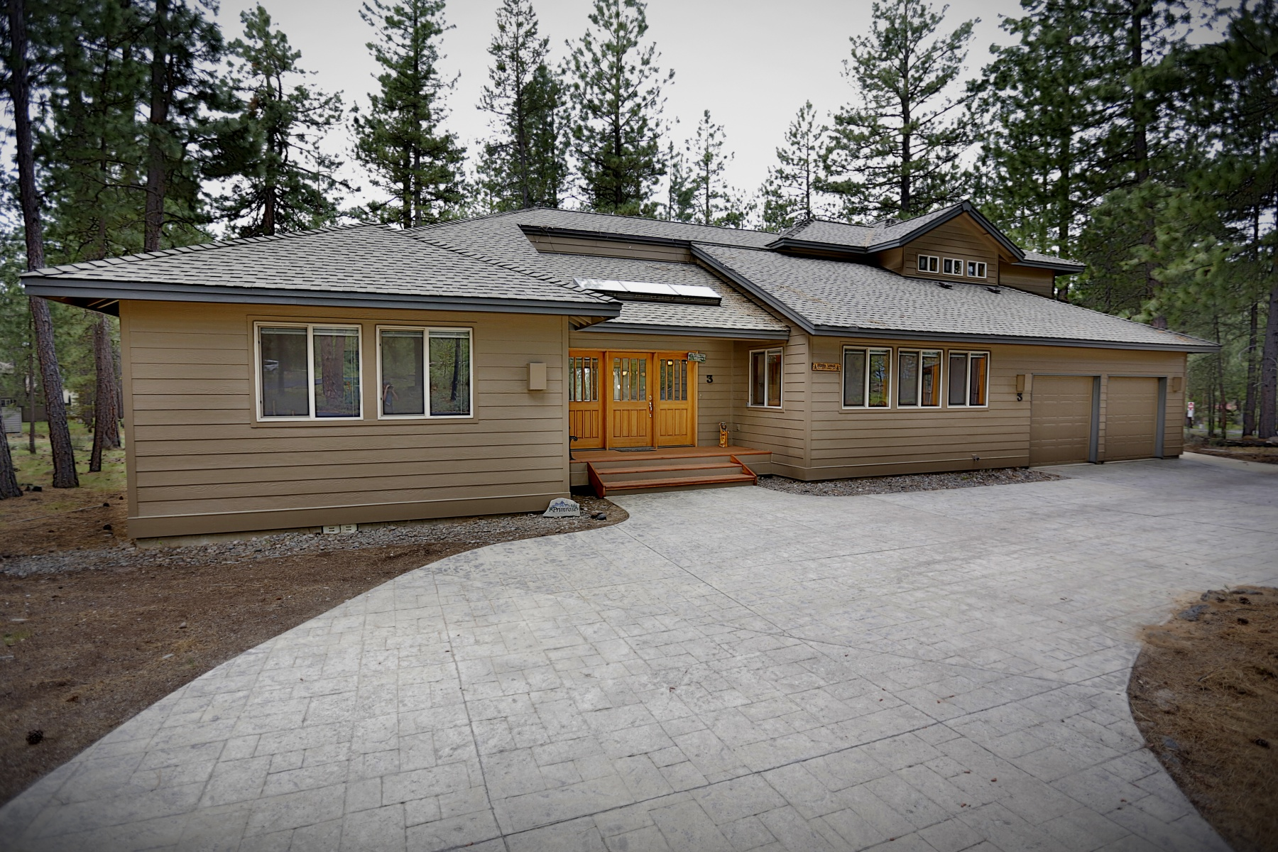 Maison unifamiliale pour l Vente à Spacious 3600 Sq Ft Fort Rock Gem 3 Newberry Ln Sunriver, Oregon, 97707 États-Unis