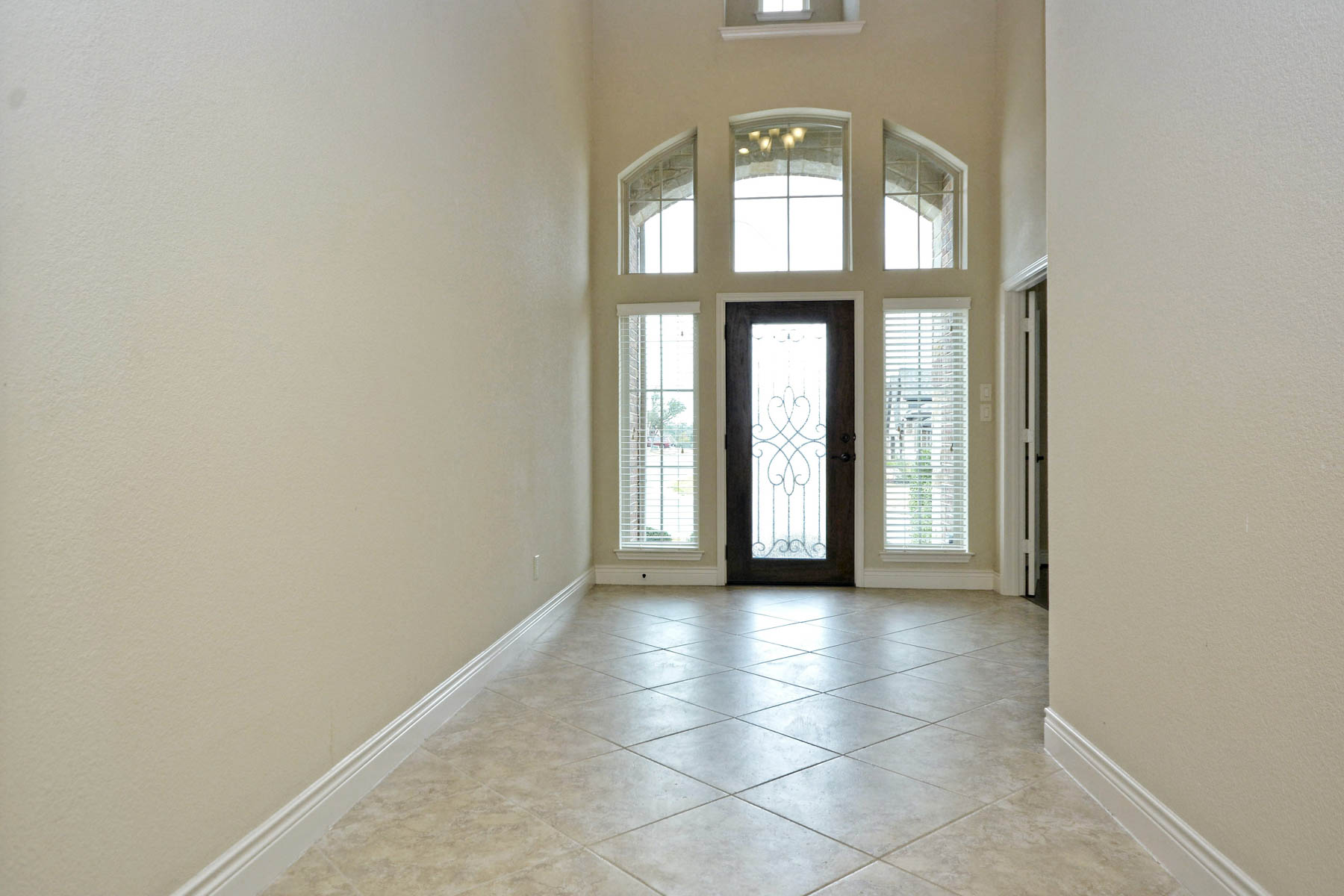 Additional photo for property listing at Beautiful 2014 Perry Home in New Braunfels 586 Oak Cascade New Braunfels, Texas 78132 Estados Unidos
