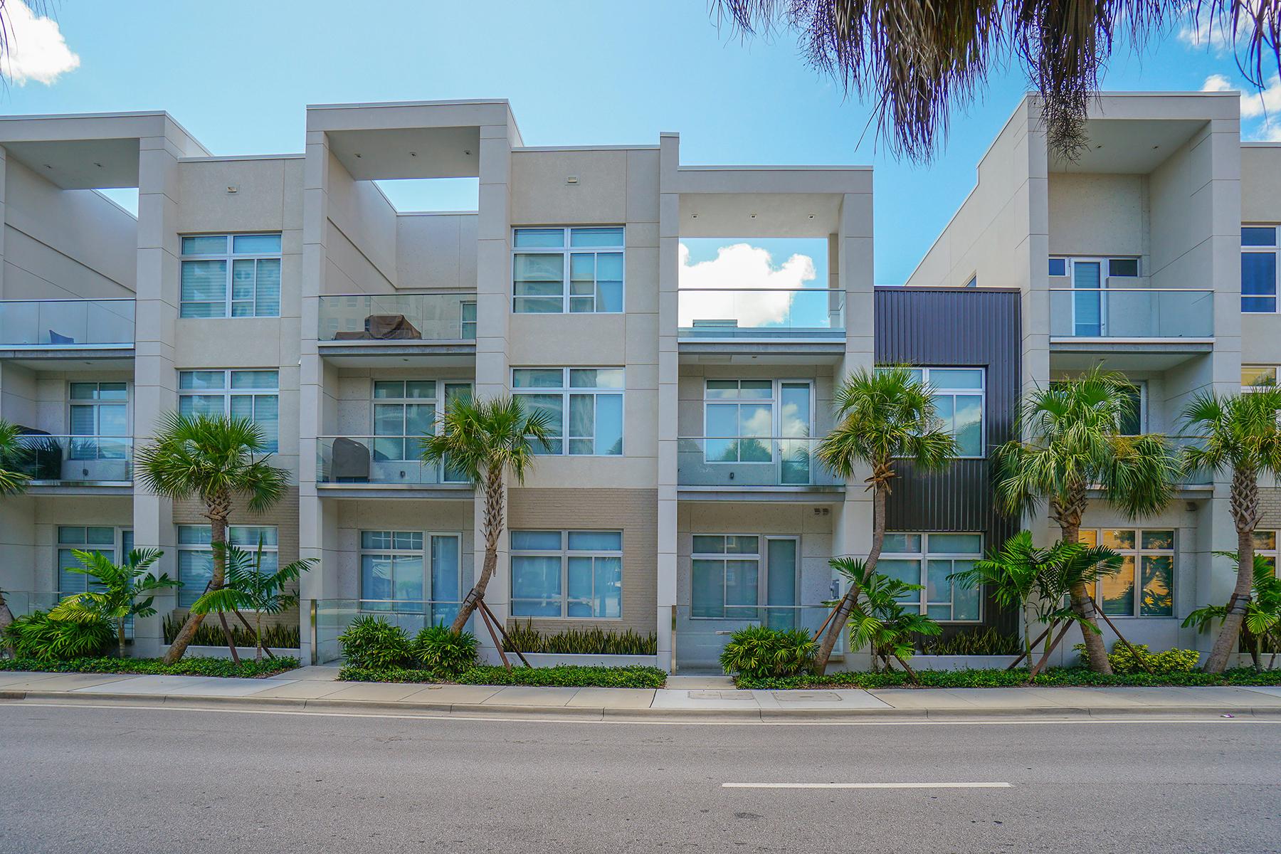 联栋屋 为 销售 在 Q - DOWNTOWN SARASOTA 272 Cosmopolitan Ct 萨拉索塔, 佛罗里达州, 34236 美国