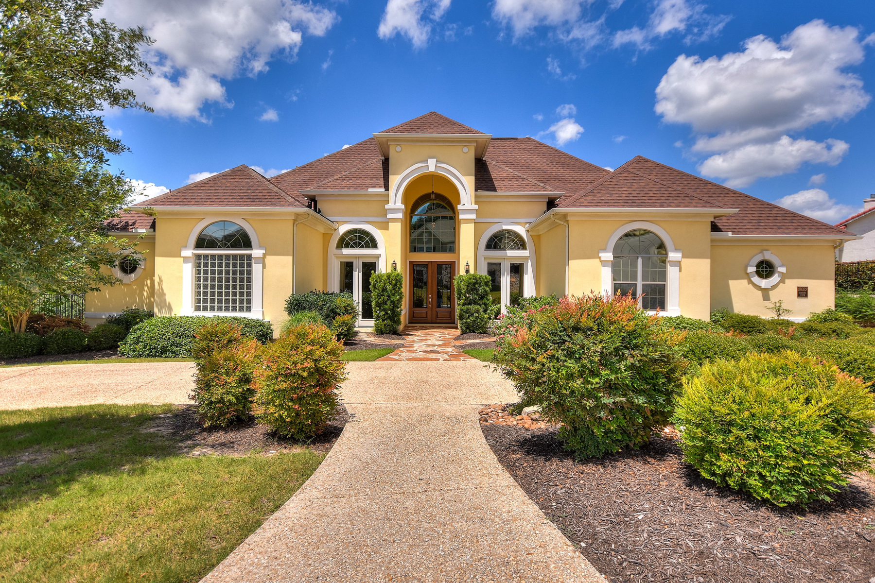 Single Family Home for Sale at Stunning Home in The Estates of Sonoma Verde 18027 Resort Vw San Antonio, Texas, 78255 United States