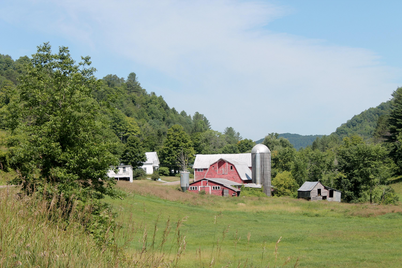 Maison unifamiliale pour l Vente à 489 Vt. Route 110, Chelsea Chelsea, Vermont, 05038 États-Unis