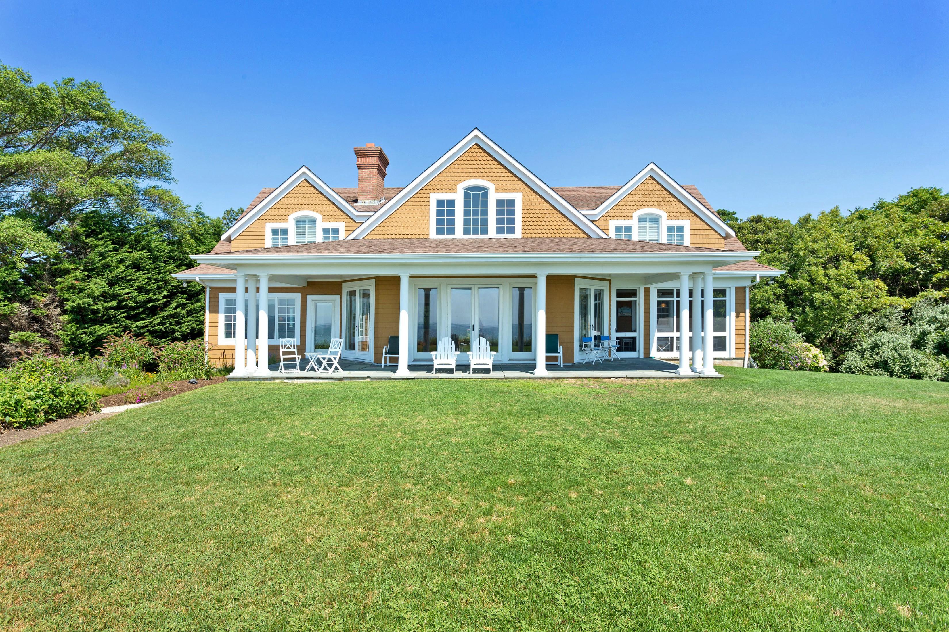 Casa para uma família para Venda às Colonial 905 Willis Creek Dr Mattituck, Nova York 11952 Estados Unidos