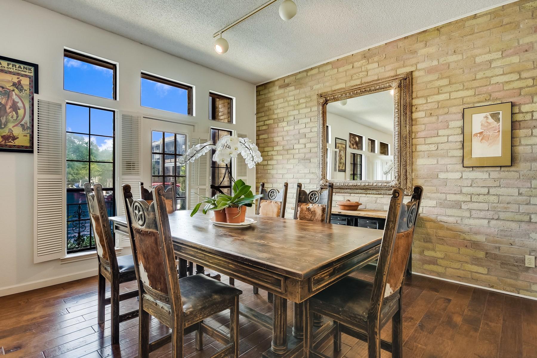 Additional photo for property listing at Orleans Harbor Condo on Lake Austin 2437 Westlake Dr Austin, Texas 78746 Estados Unidos