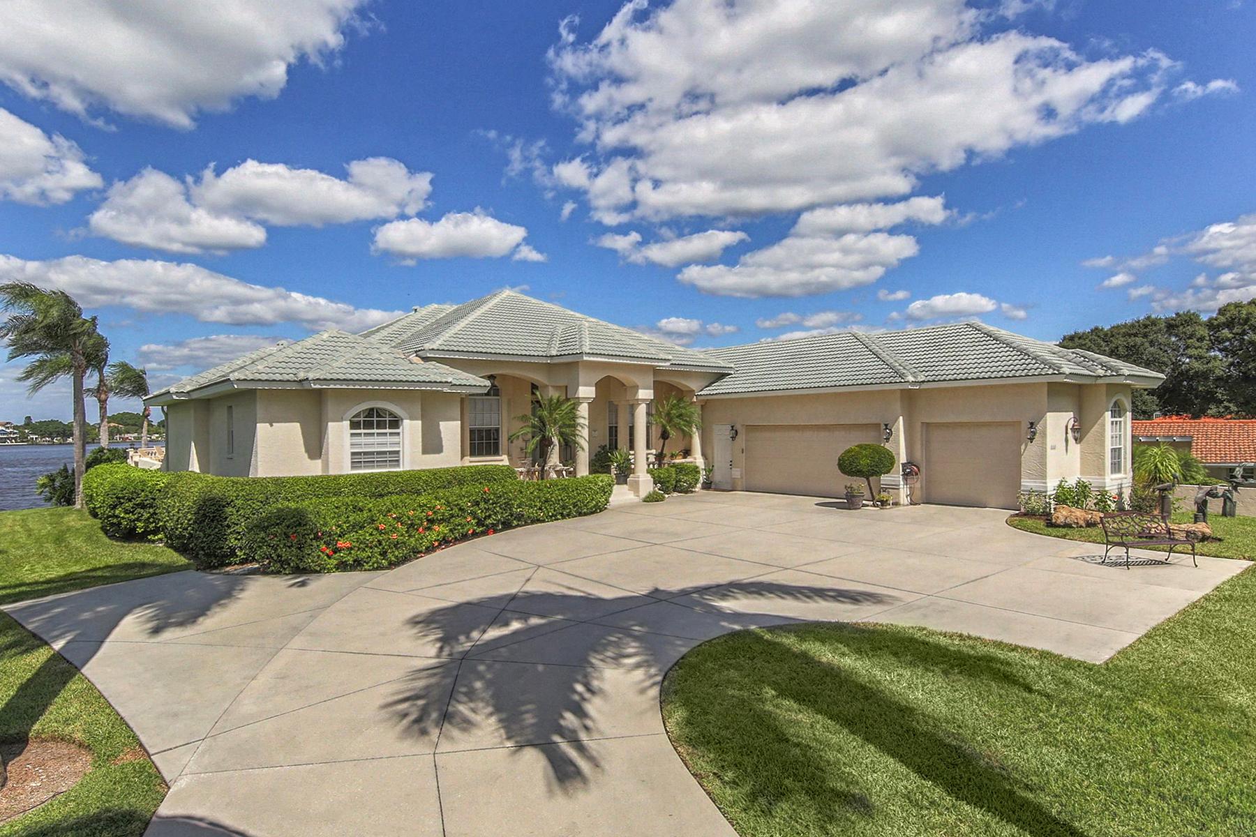 Single Family Home for Sale at VENICE ISLAND 444 Bayshore Dr, Venice, Florida 34285 United States