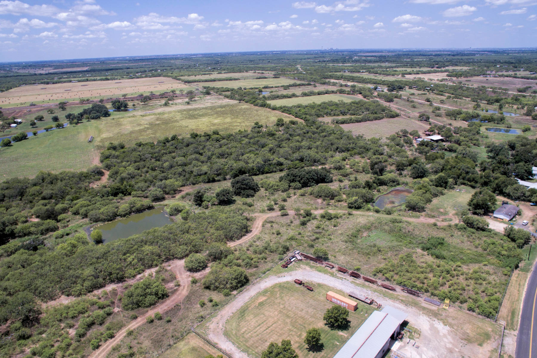 Additional photo for property listing at Beautiful Acres on Gardner Road 8259 Gardner Rd San Antonio, Texas 78263 Estados Unidos