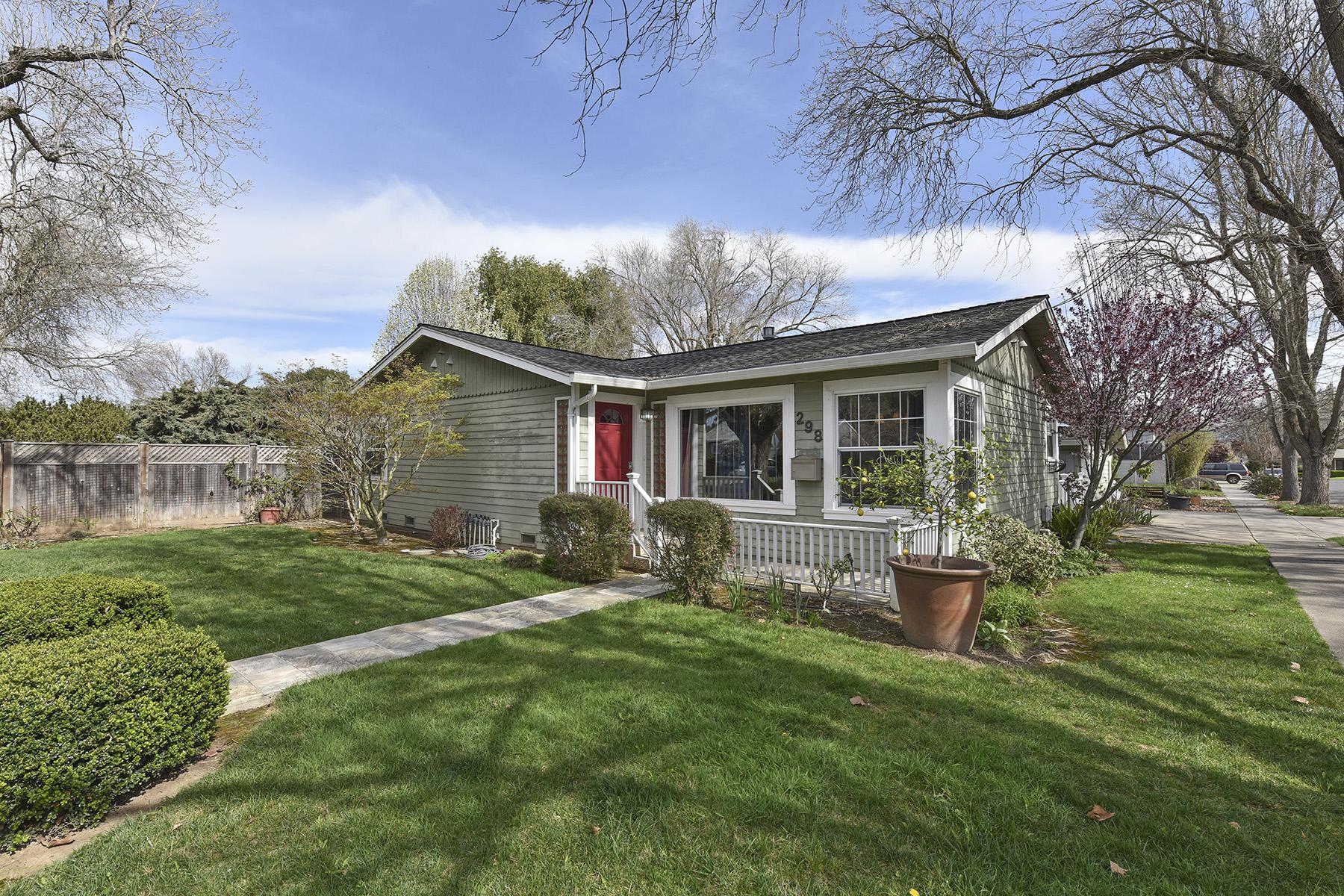 一戸建て のために 売買 アット 298 S Hartson St, Napa, CA 94559 Napa, カリフォルニア, 94559 アメリカ合衆国