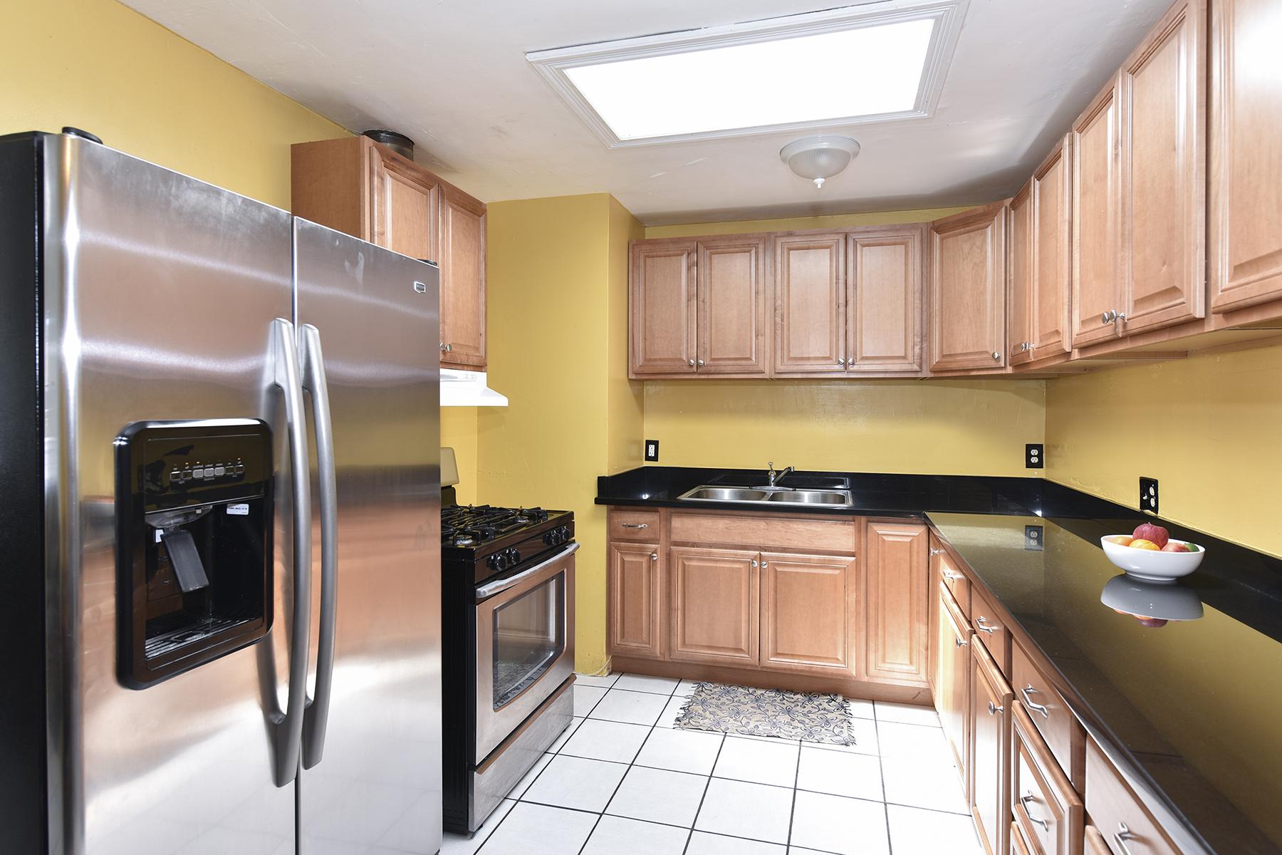 Nhà ở một gia đình vì Bán tại 82 Arboreo St, Napa, CA 94559 82 Arboreo St Napa, California, 94559 Hoa Kỳ