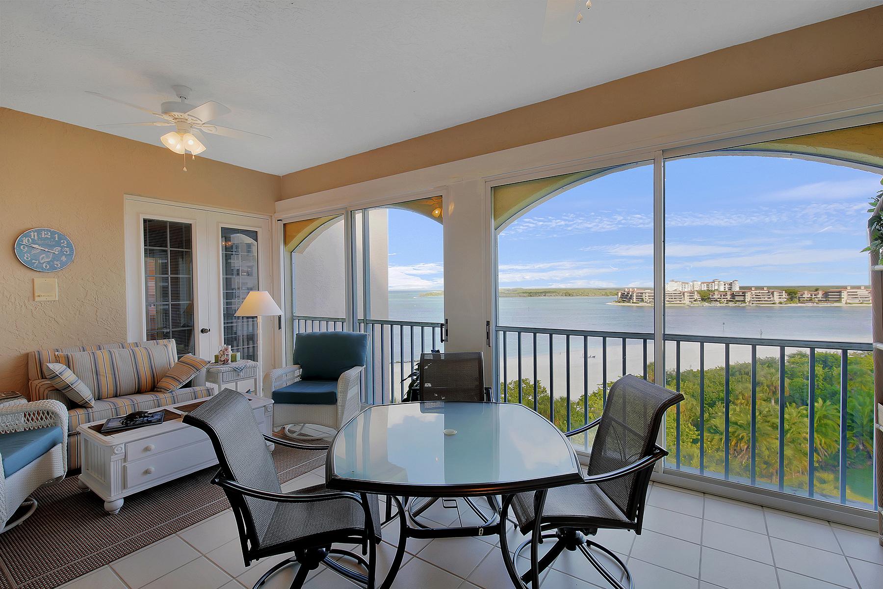 Condominio por un Venta en HIDEAWAY BEACH 3000 Royal Marco Way PH-S Marco Island, Florida 34145 Estados Unidos