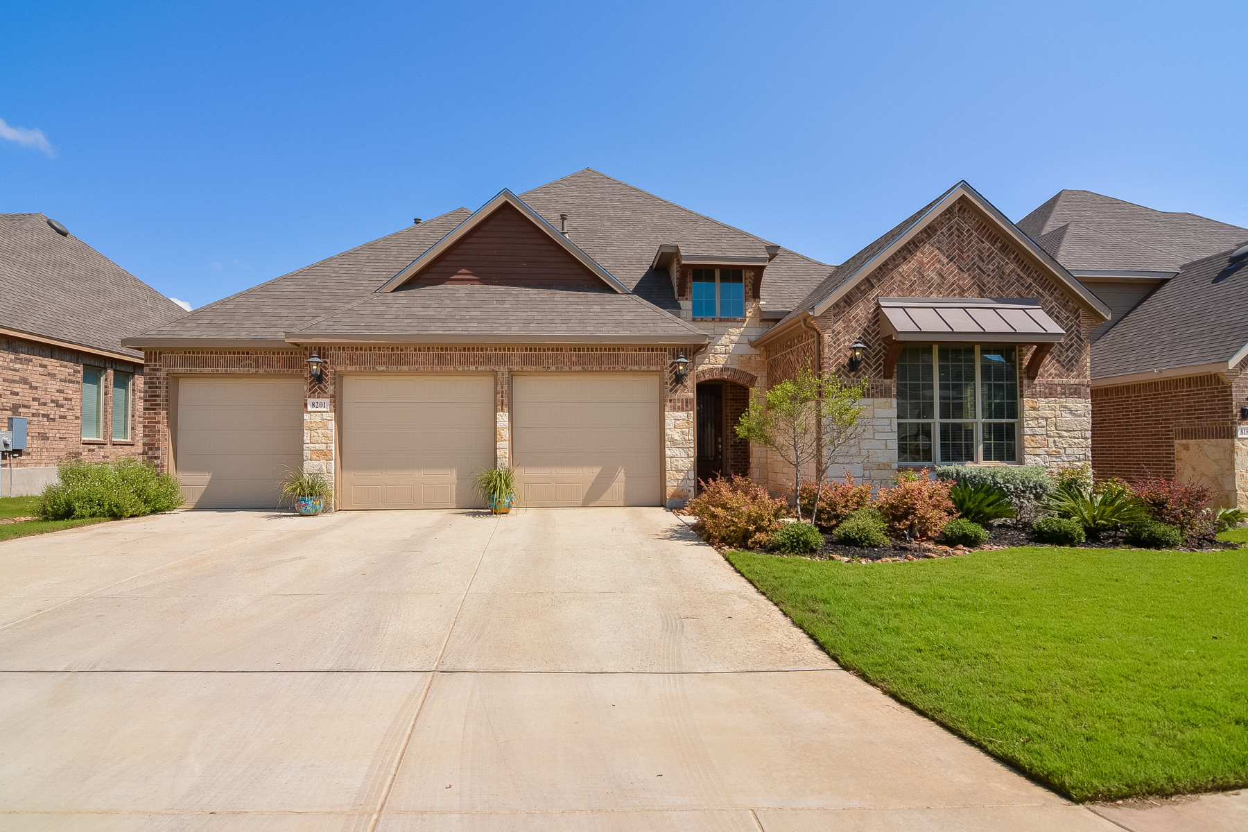 Single Family Home for Sale at Breathtaking Home in Two Creeks 8201 Two Winds San Antonio, Texas 78255 United States