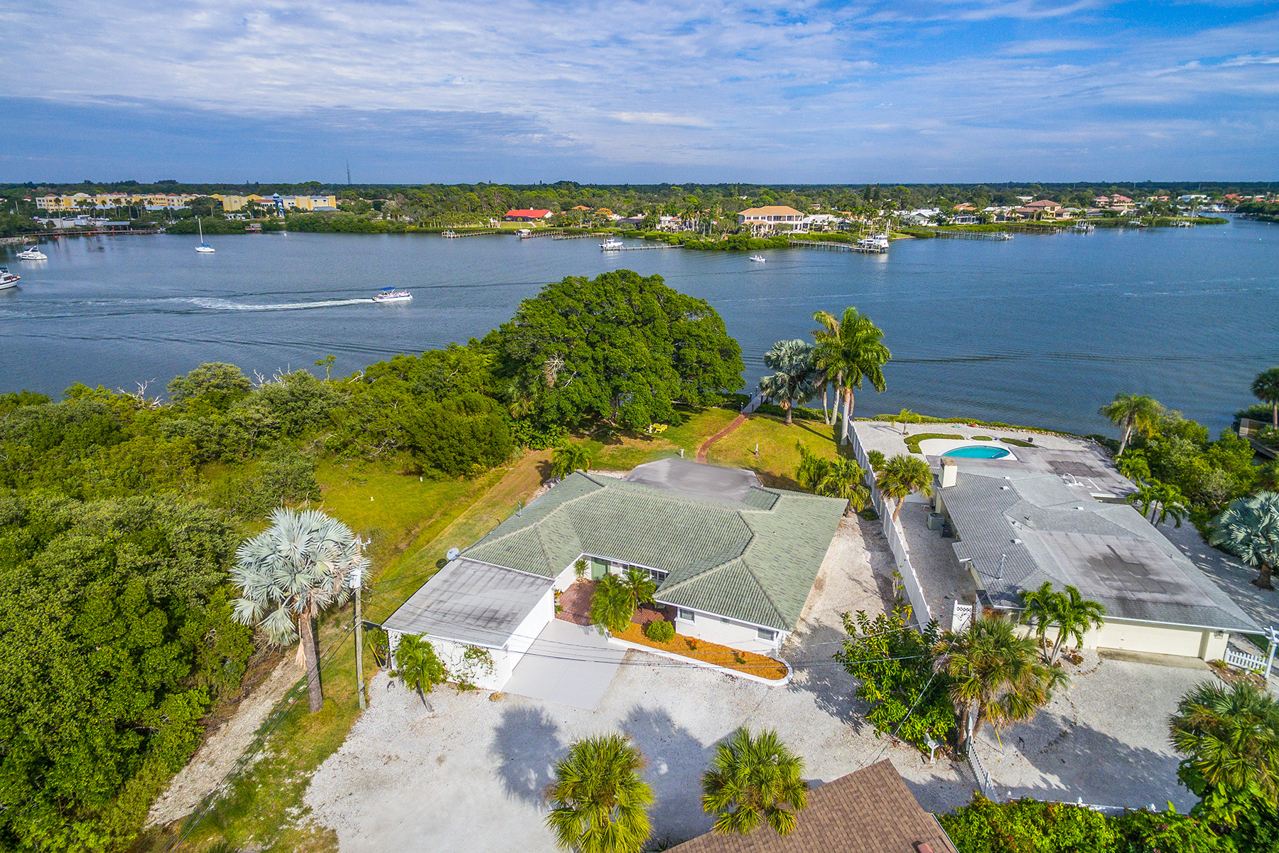 Casa Unifamiliar por un Venta en CASEY KEY 3820 Cutlass Bayou Nokomis, Florida, 34275 Estados Unidos