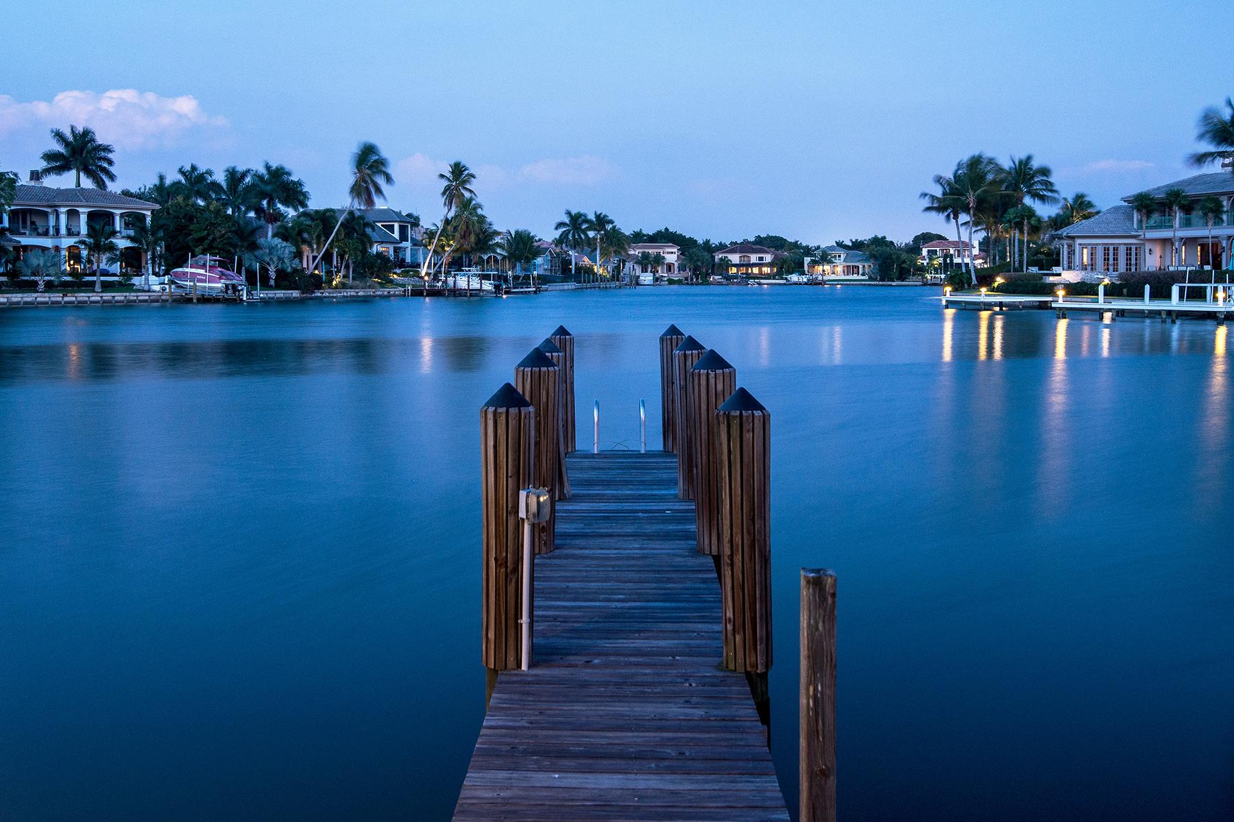 콘도미니엄 용 매매 에 MOORINGS - BOULEVARD CLUB 1900 Gulf Shore Blvd N 603 Naples, 플로리다, 34102 미국