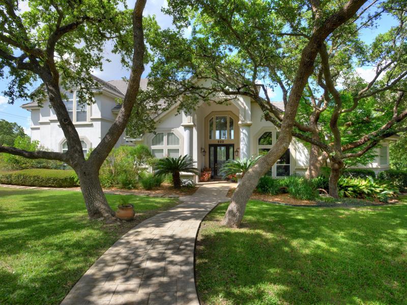 Single Family Home for Sale at Inviting Estate in Shavano Creek 522 Possum Oak San Antonio, Texas 78230 United States
