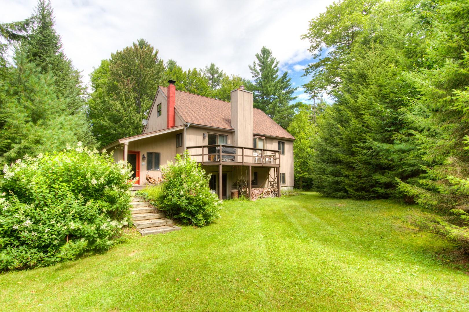 独户住宅 为 销售 在 525 Deerwood Hill, Londonderry 伦敦德里郡, 佛蒙特州, 05155 美国
