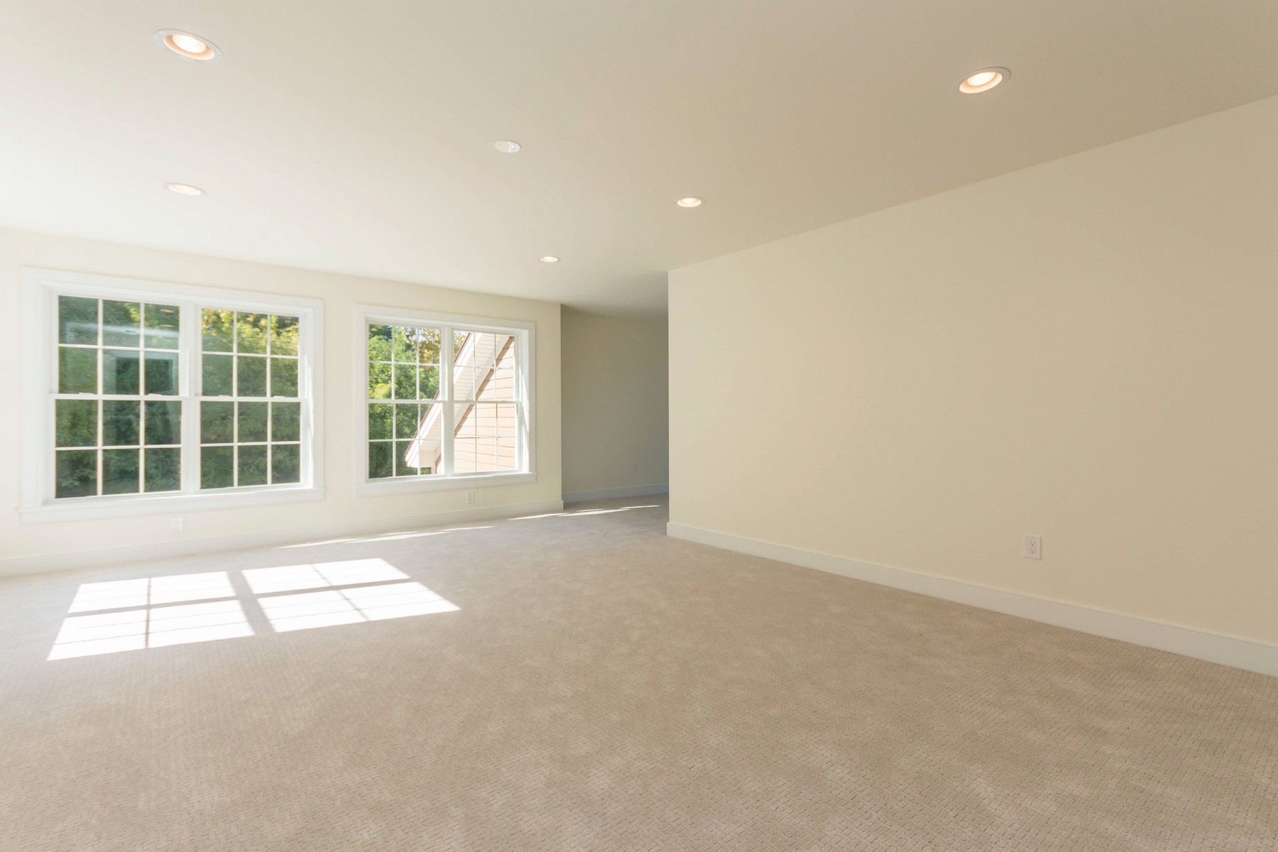Additional photo for property listing at New Construction Without the Wait 909  Sussex Ct Guilderland, 纽约州 12084 美国