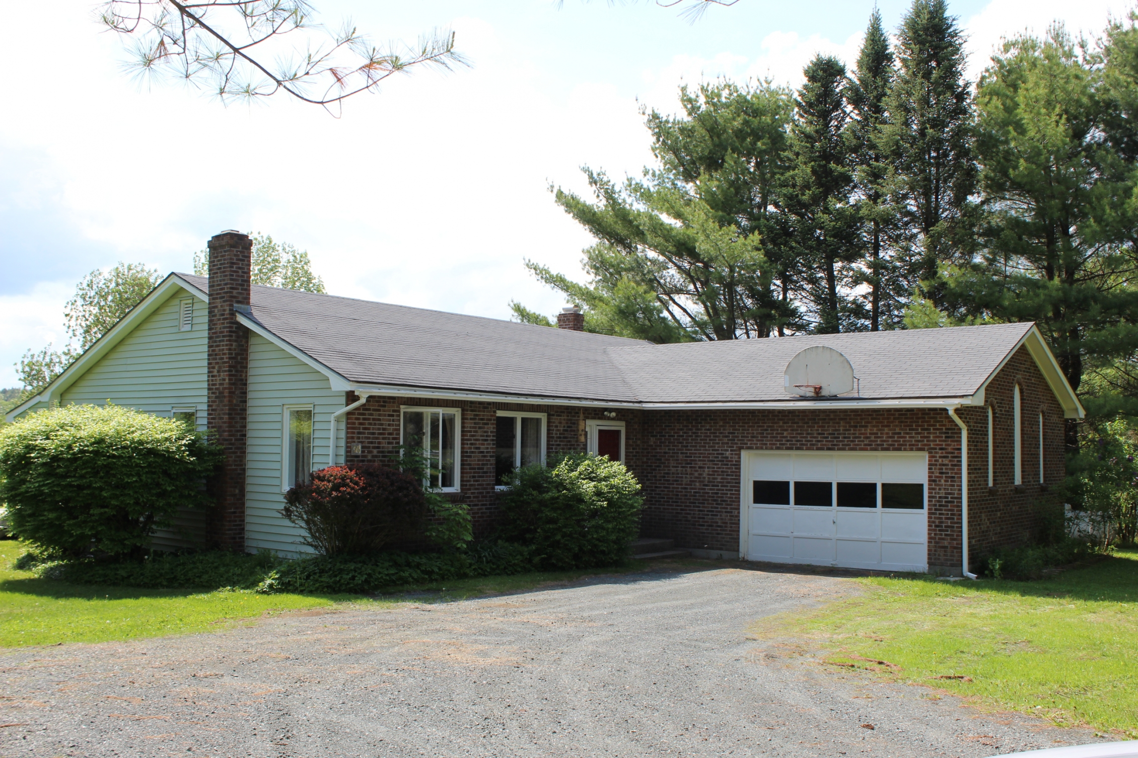 Single Family Home for Sale at 36 Blueberry Hill Drive, Lebanon Lebanon, New Hampshire 03766 United States
