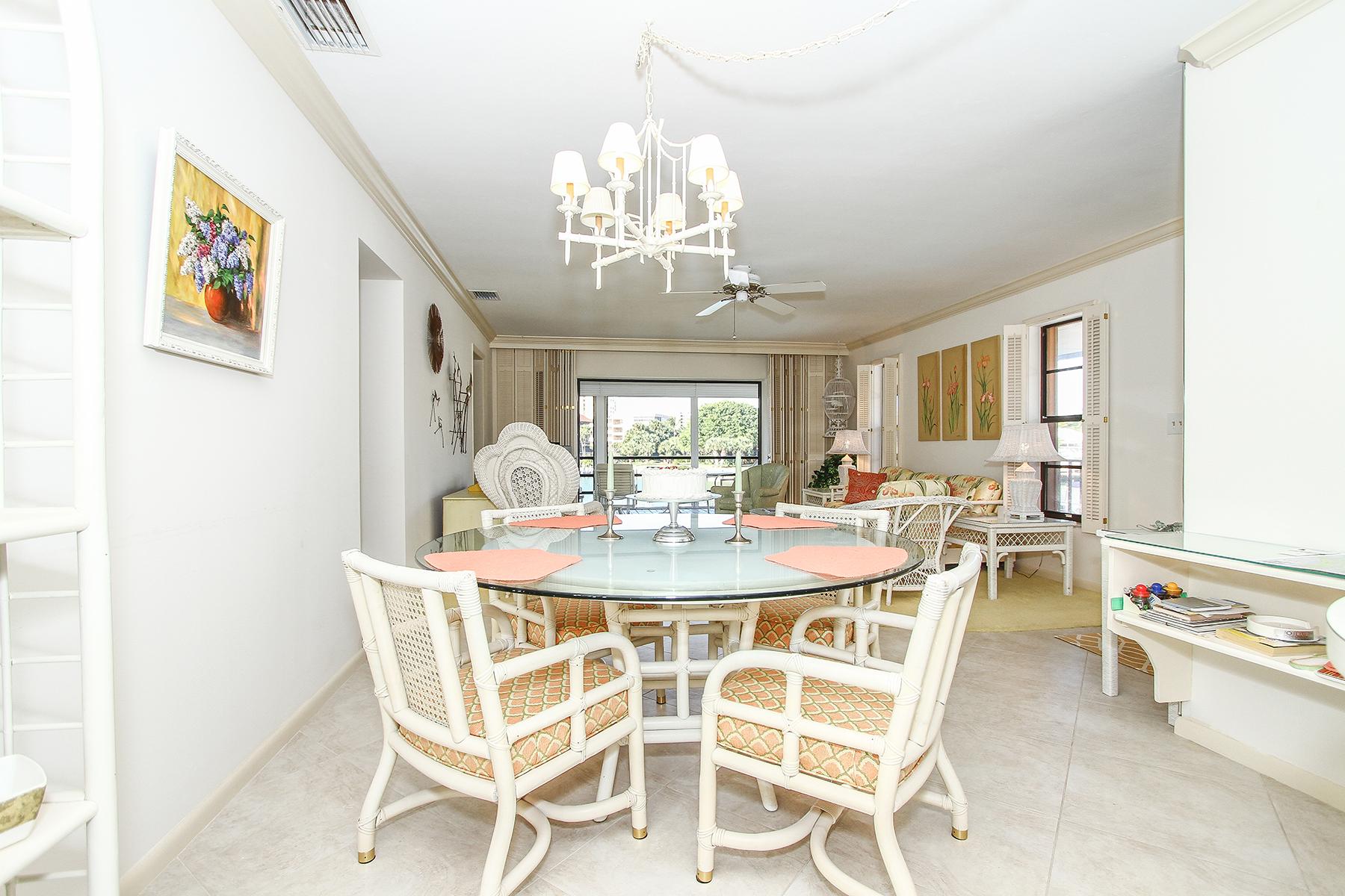Property Of MARCO BEACH - PALM ISLE