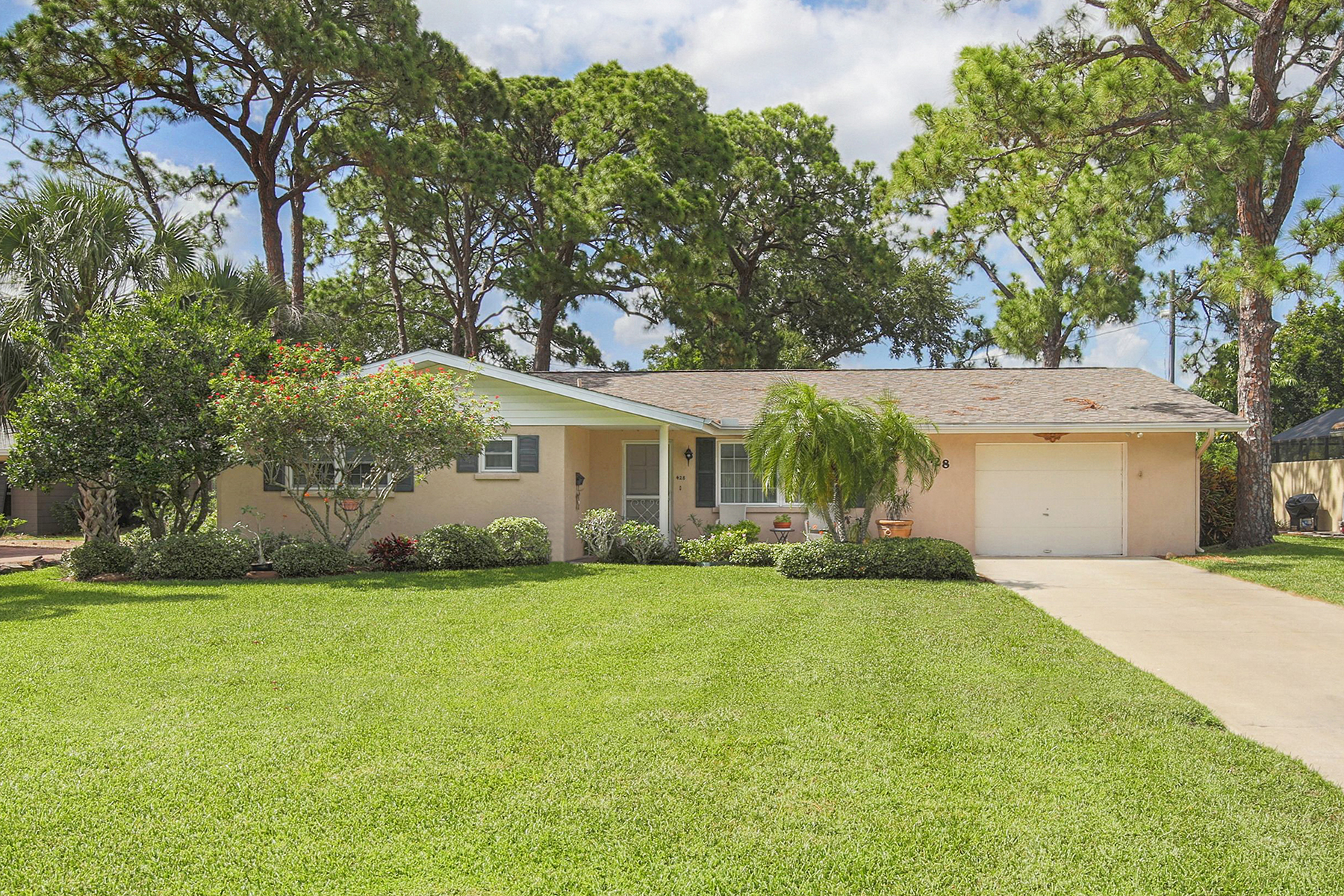 Single Family Home for Sale at VENICE ISLAND 428 Maggiore Rd Venice, Florida, 34285 United States