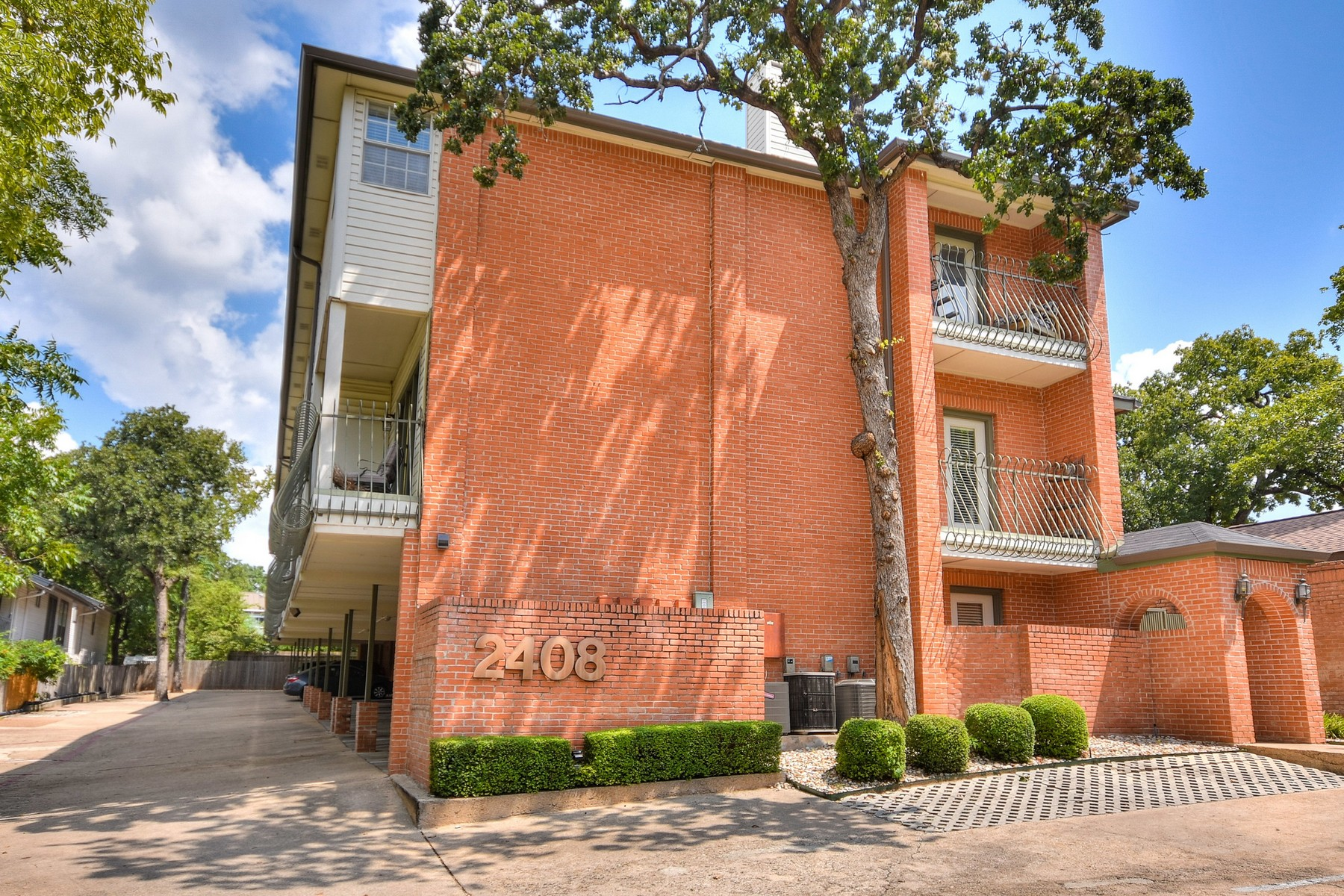 Condominium for Sale at Updated Tarrytown Condo 2408 Enfield Rd 214 Austin, Texas 78703 United States