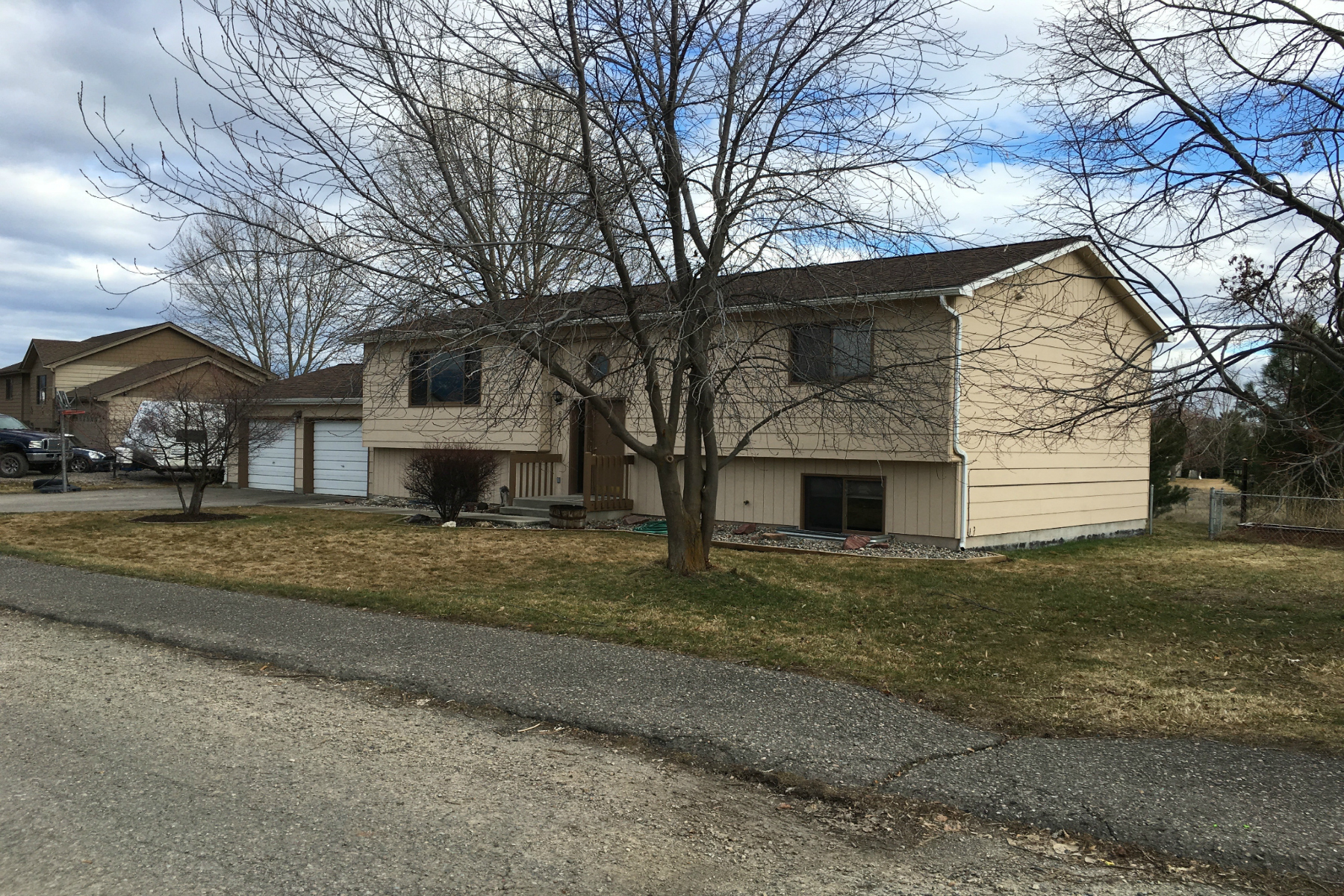 Casa para uma família para Venda às 8975 Grouse 8975 Grouse Dr Missoula, Montana, 59808 Estados Unidos
