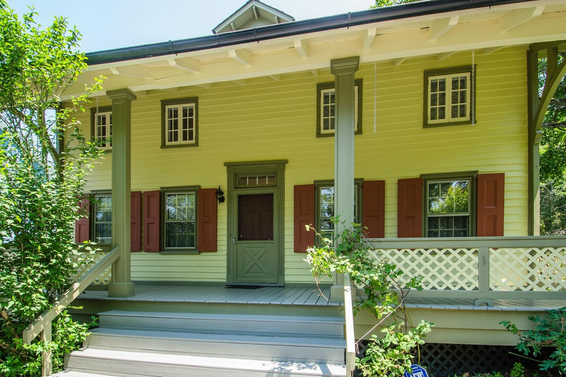 独户住宅 为 销售 在 Colonial 440 Bryant Ave 罗斯林港, 纽约州 11576 美国