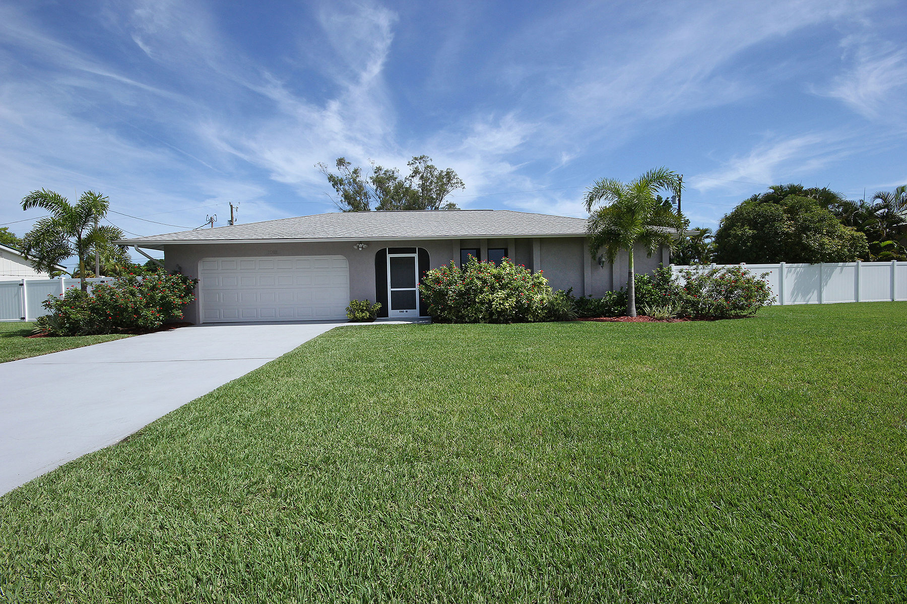 Property For Sale at 1025 E Archer , Cape Coral, FL 33904