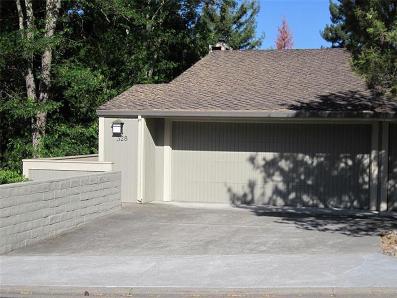 Condominio por un Venta en 328 Deer Hollow Dr, Napa, CA 94558 328 Deer Hollow Dr Napa, California 94558 Estados Unidos