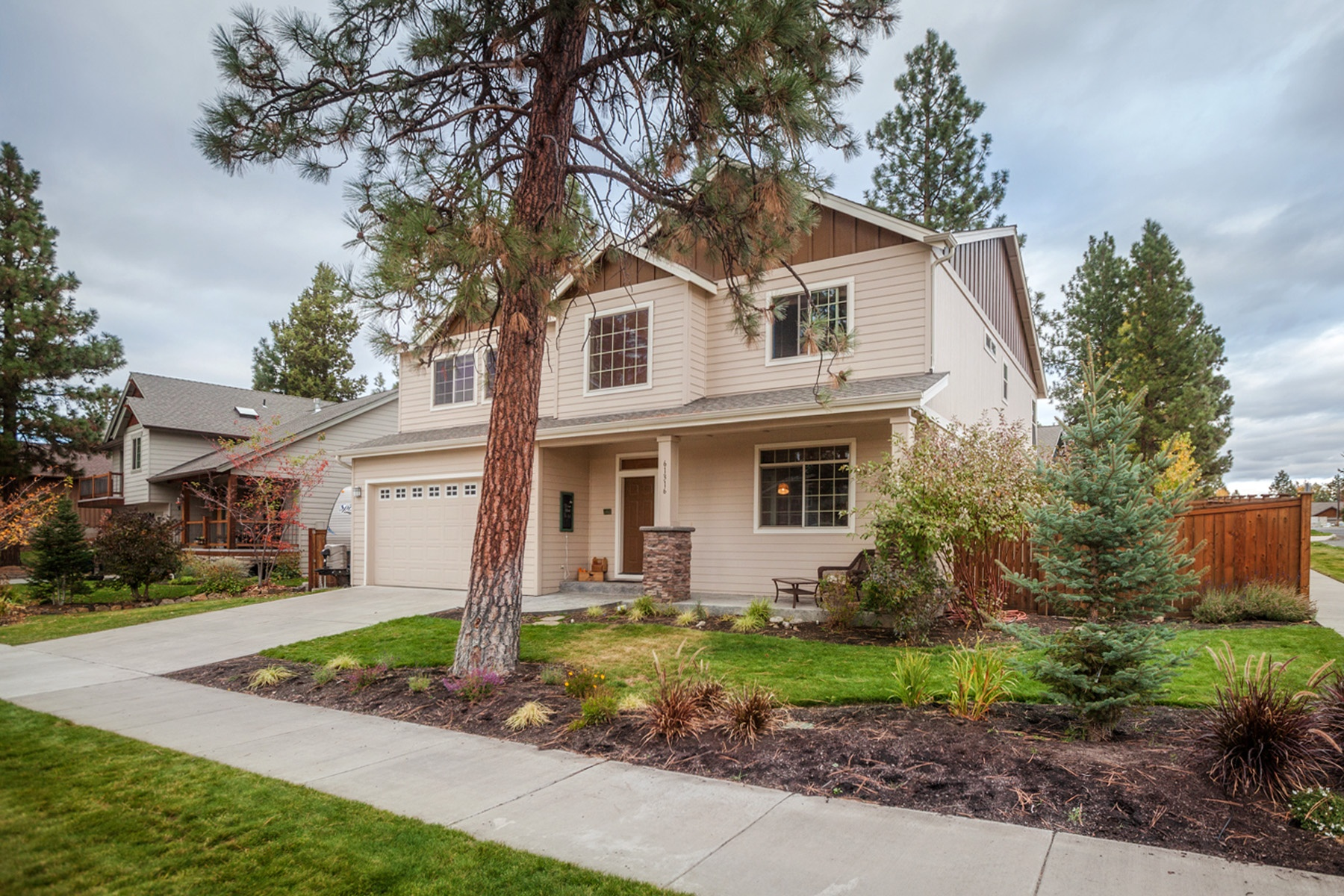 Single Family Home for Sale at Mountain View near Deschutes River 61316 Brianne Pl Bend, Oregon 97702 United States