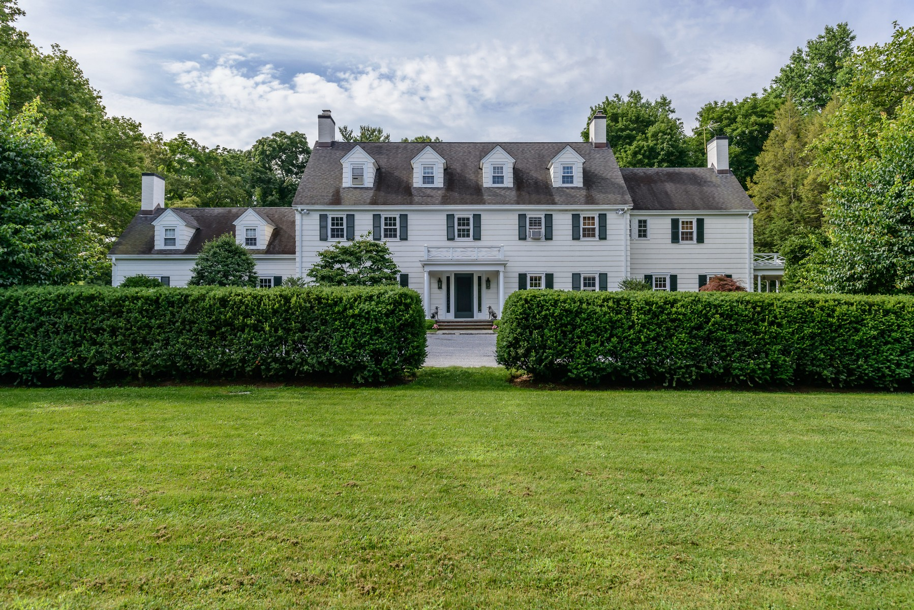 Single Family Home for Sale at Colonial 81 High Farms Road Old Brookville, New York, 11545 United States