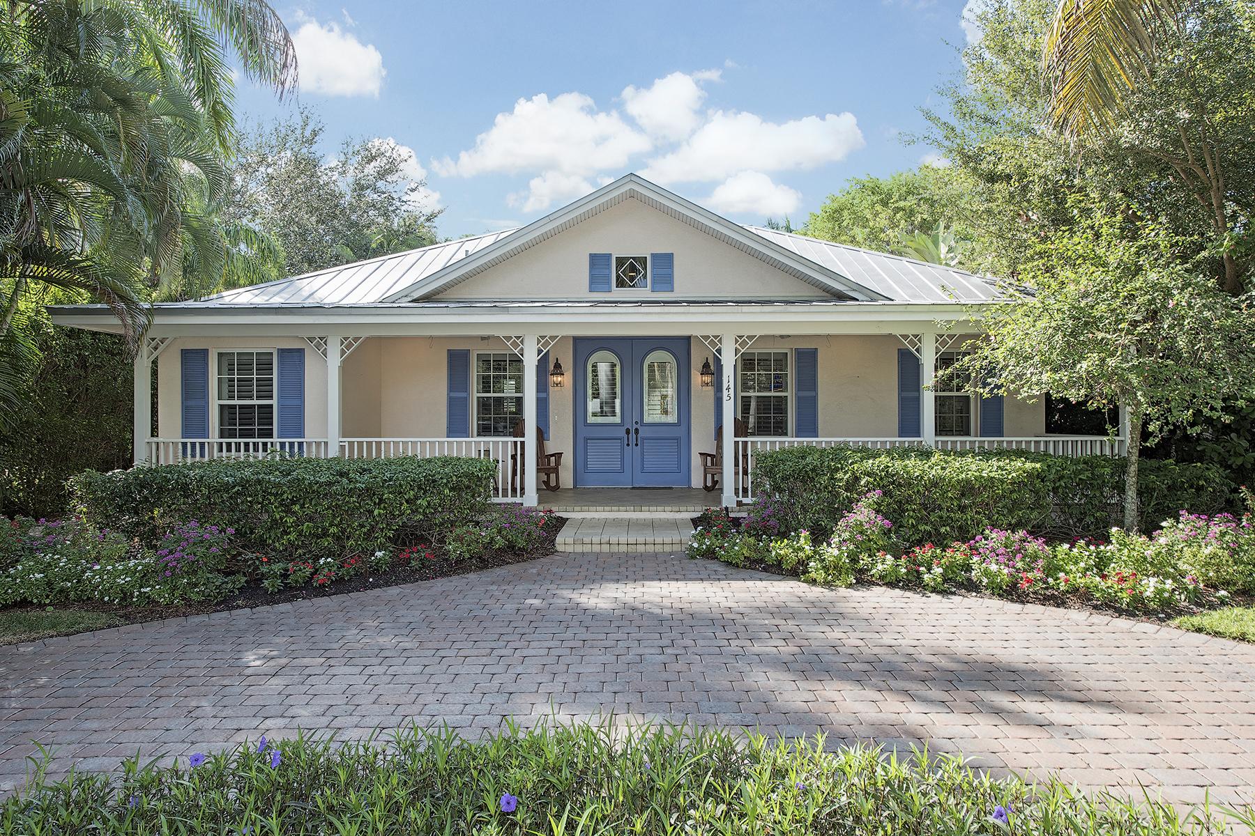 Casa para uma família para Venda às OLDE NAPLES 145 6th St N Naples, Florida, 34102 Estados Unidos