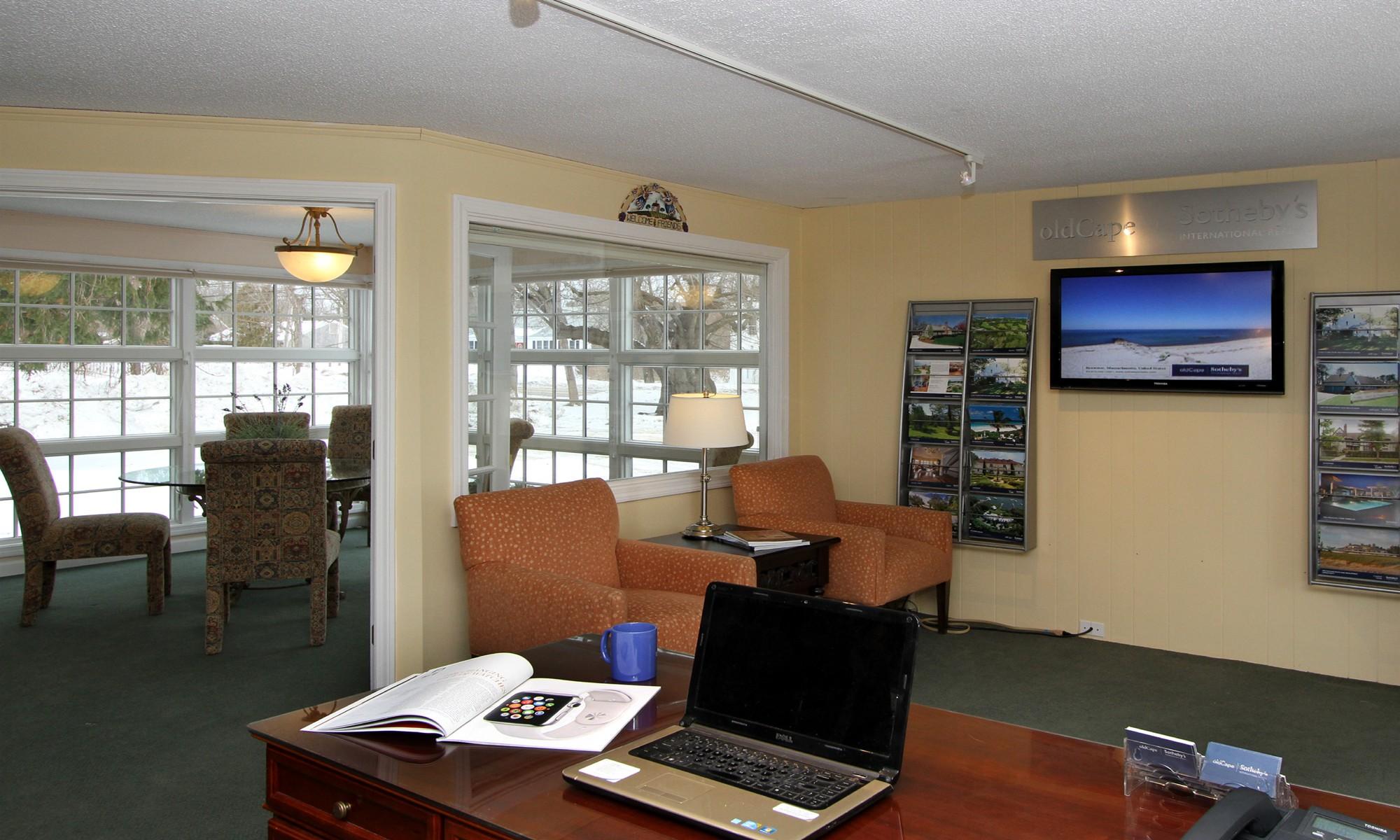 Office 180-b-602-4000456 Photo