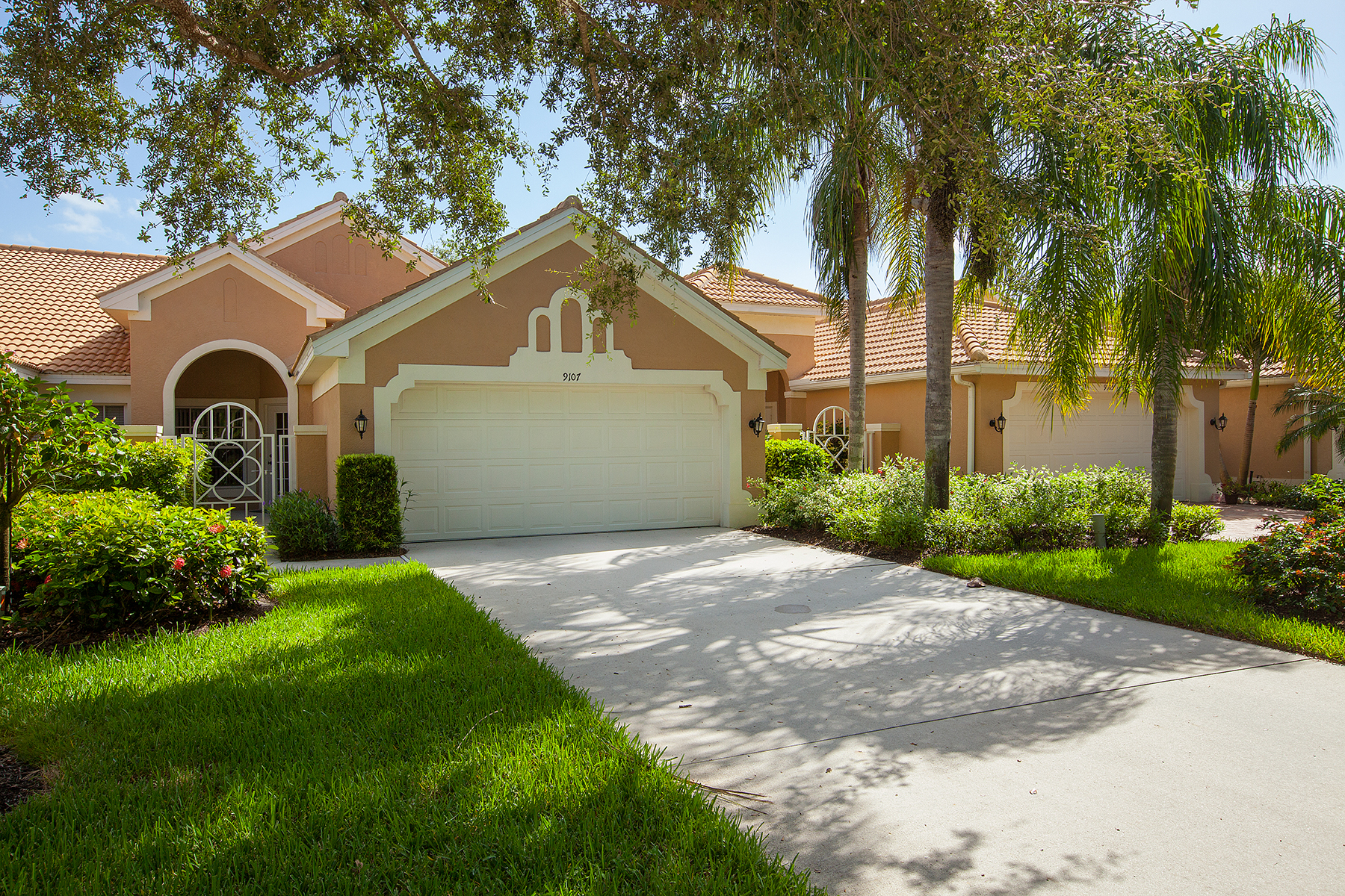 타운하우스 용 매매 에 SABAL COVE 9107 Spring Run Blvd Bonita Springs, 플로리다, 34135 미국