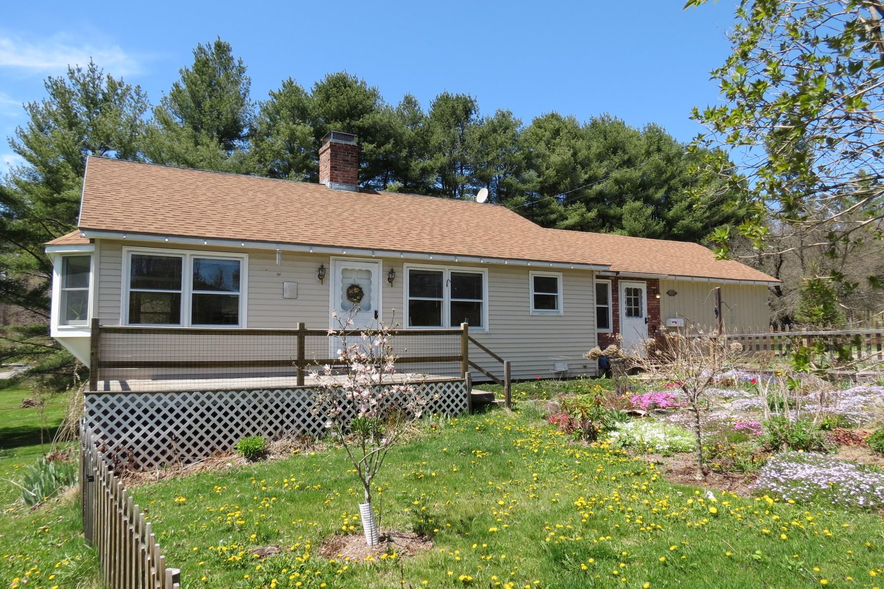 独户住宅 为 销售 在 165 Williams Street, Londonderry 伦敦德里郡, 佛蒙特州, 05148 美国