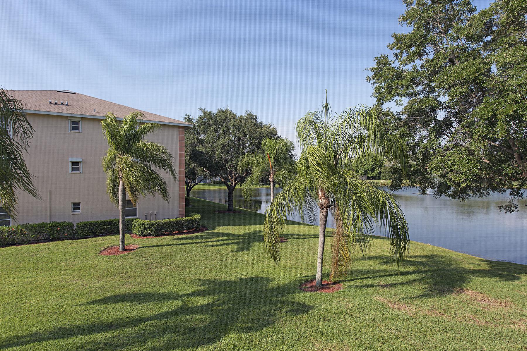 共管物業 為 出售 在 VICTORIA LAKES 9590 Victoria Ln B-206 Naples, 佛羅里達州, 34109 美國