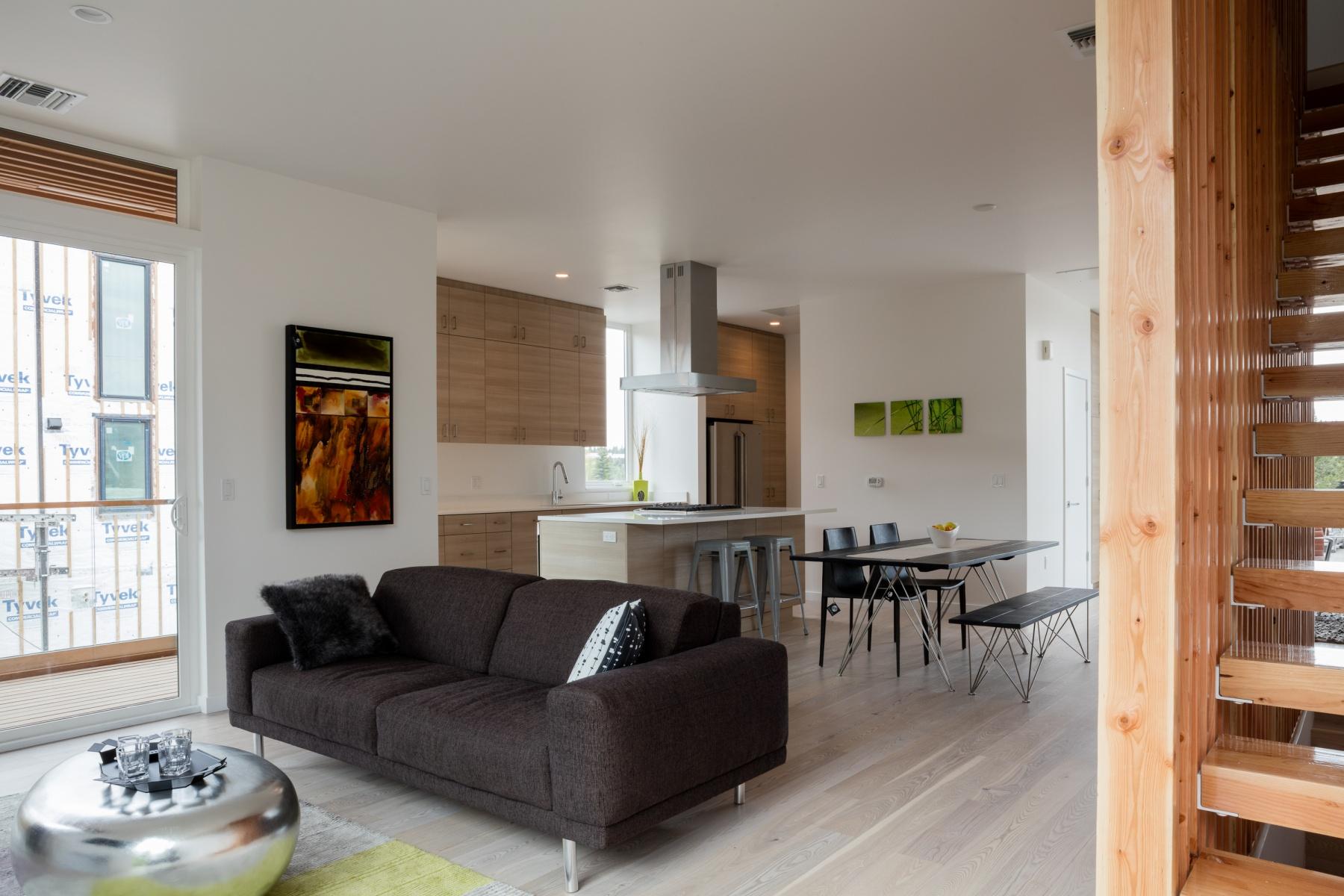 联栋屋 为 销售 在 55 SW Wall Street 4, BEND 55 SW Wall St 4 本德, 俄勒冈州, 97702 美国