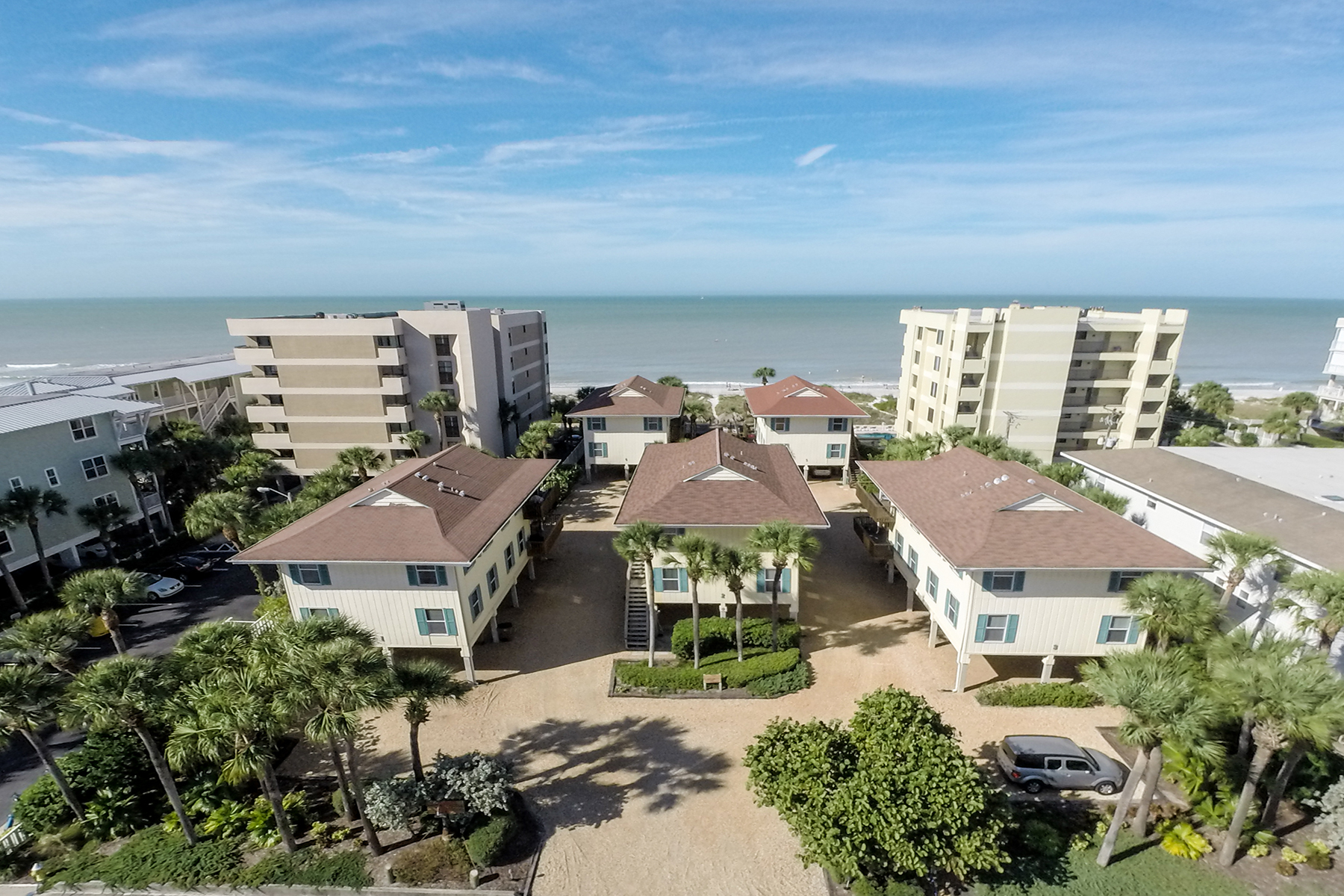 Condominio por un Venta en INDIAN ROCKS BEACH 1400 Gulf Blvd 1B Indian Rocks Beach, Florida 33785 Estados Unidos