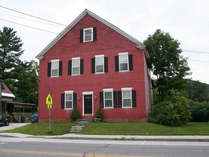 Nhà ở nhiều gia đình vì Thuê tại Main Street 550 Main St Proctorsville, Vermont, 05143 Hoa Kỳ