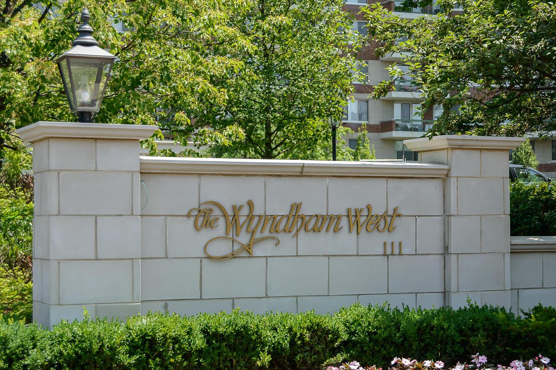 Condomínio para Venda às Condo 111 Cherry Valley Ave 9 901 Garden City, Nova York 11530 Estados Unidos