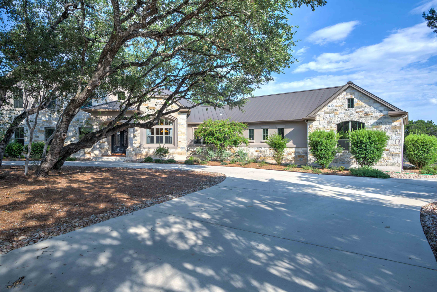 Additional photo for property listing at Custom Built Home in Rockwall Ranch 10706 Steubing Cir New Braunfels, Texas 78132 Estados Unidos