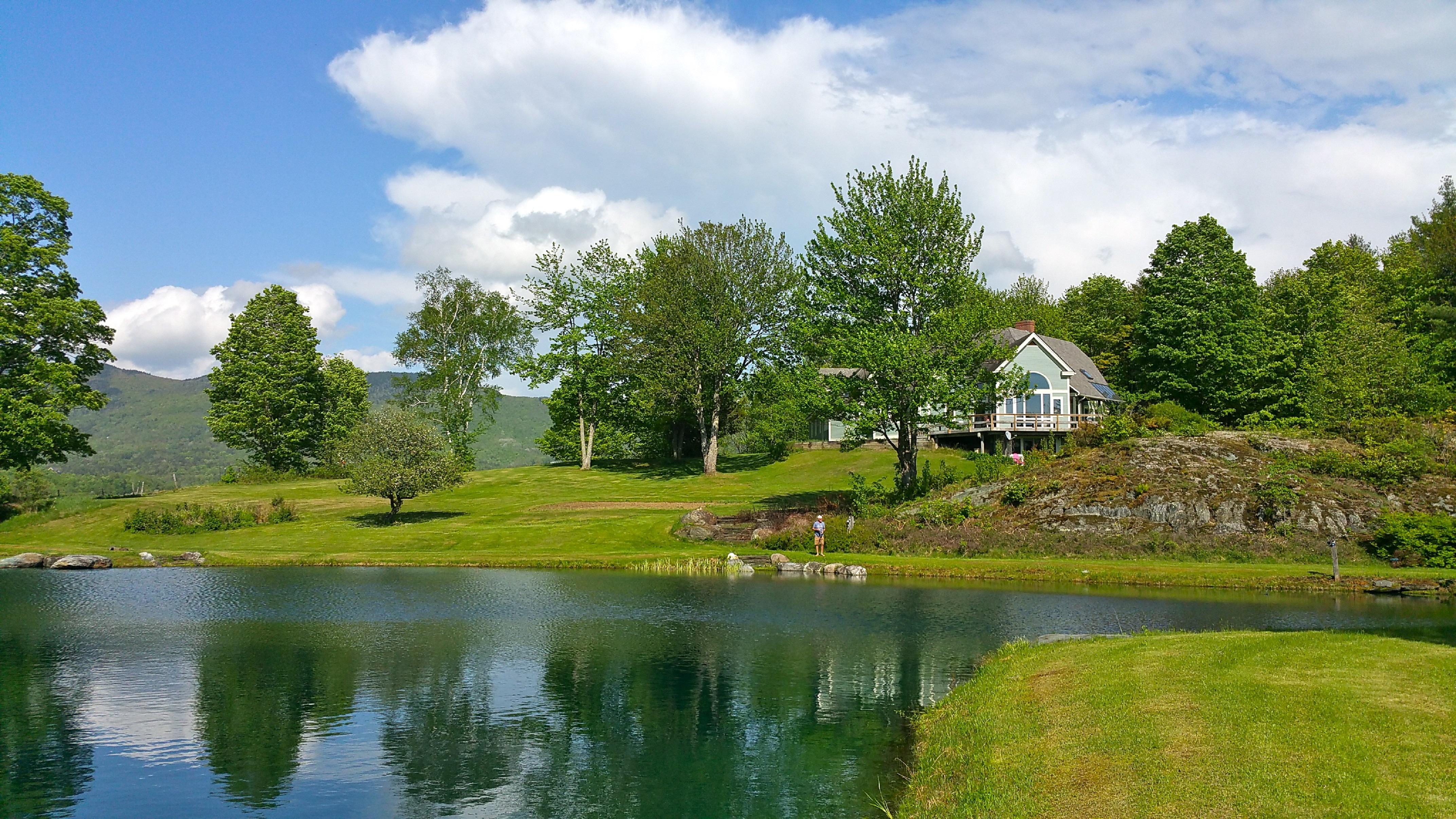 Maison unifamiliale pour l Vente à 650 Perry Lea Road, Waterbury 650 Perry Lea Rd Waterbury, Vermont 05676 États-Unis