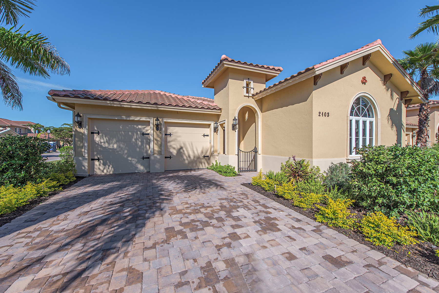 Single Family Home for Sale at 2103 Torino Way , Naples, FL 34105 2103 Torino Way Naples, Florida, 34105 United States
