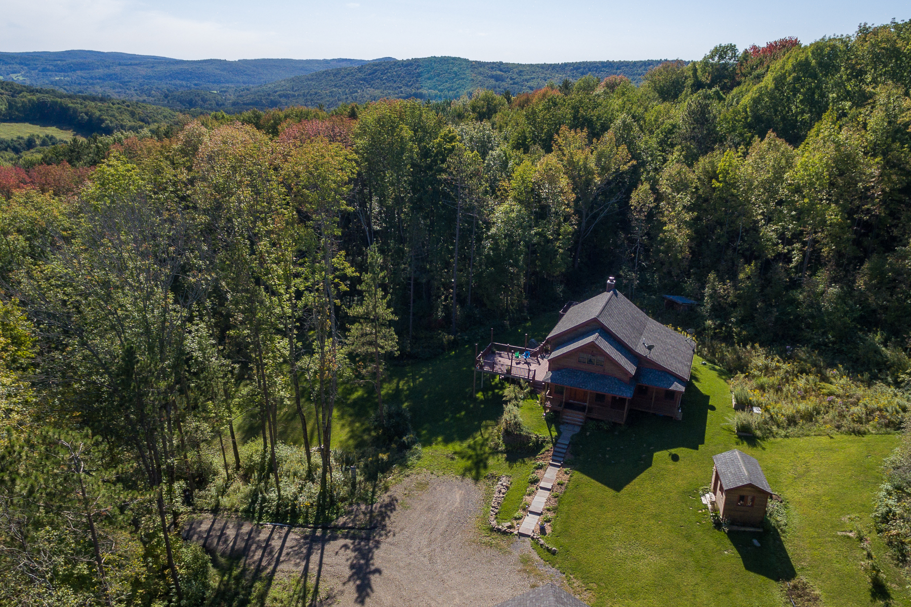 Additional photo for property listing at Fly Creek Jewel 311  Tripp Hill Rd. Fly Creek, New York 13337 États-Unis