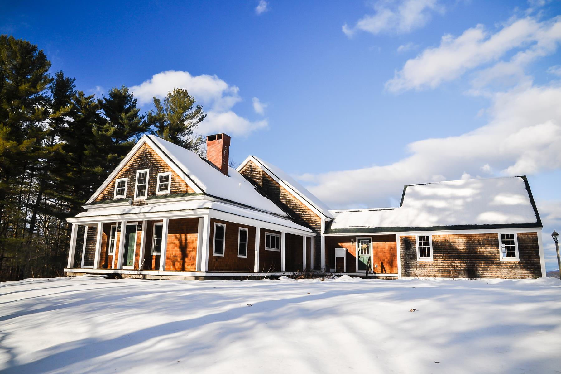 Maison unifamiliale pour l Vente à 736 Murray Hill, Hill Hill, New Hampshire, 03243 États-Unis
