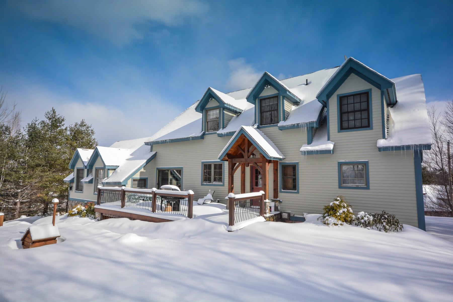 Maison unifamiliale pour l Vente à Immaculate Country Retreat 18 Carinthia Rd Dover, Vermont, 05356 États-Unis
