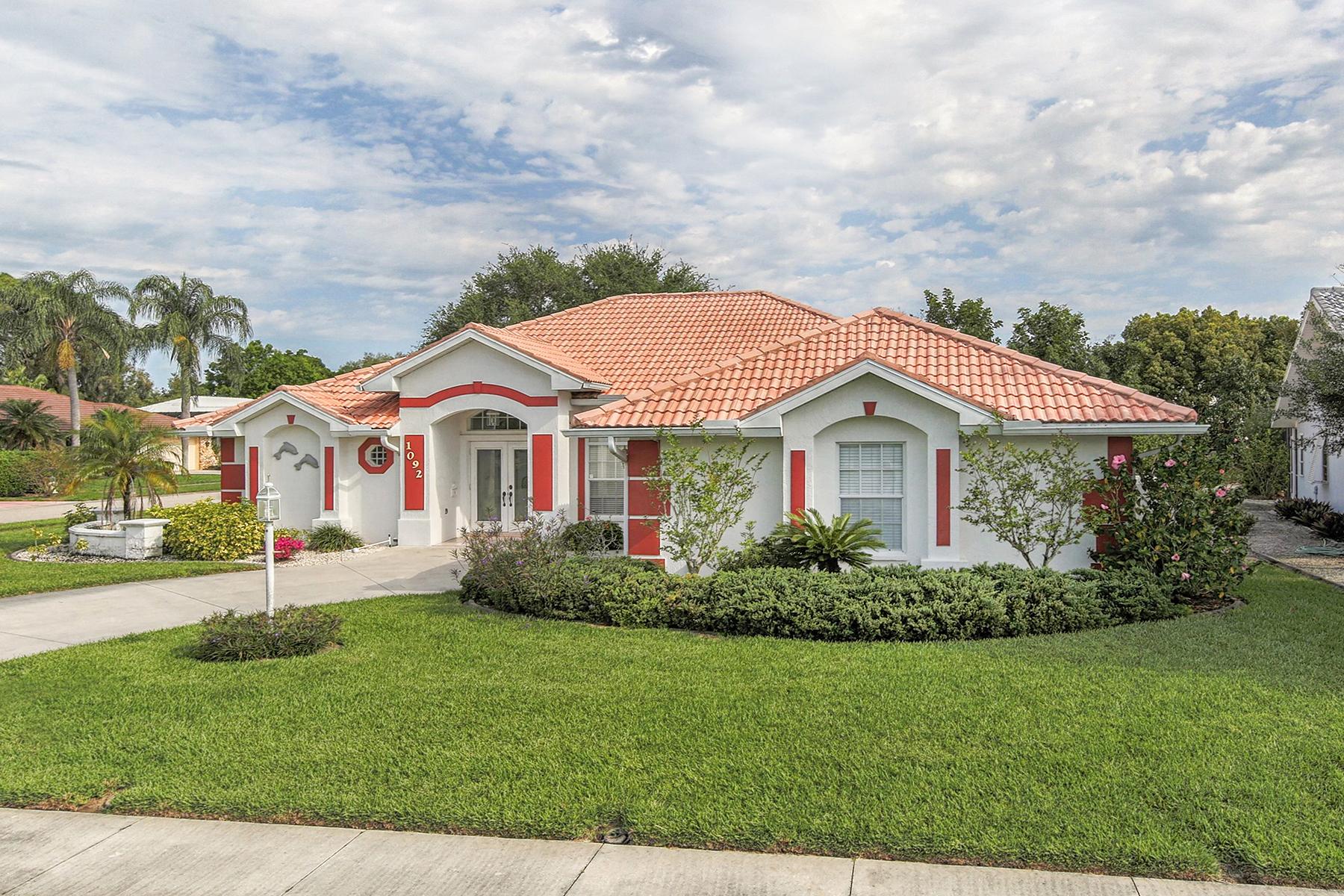 Villa per Vendita alle ore LAUREL WOODLANDS 1092 Eisenhower Dr Nokomis, Florida, 34275 Stati Uniti
