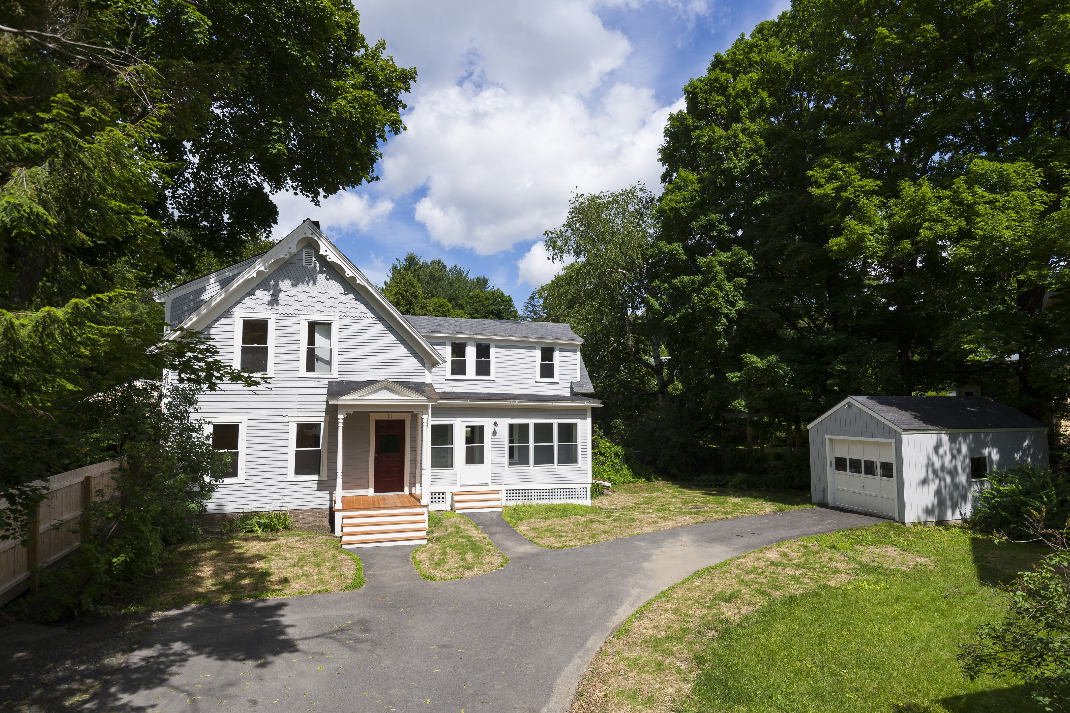 Single Family Home for Sale at 21 Elm Street, Lebanon Lebanon, New Hampshire 03766 United States